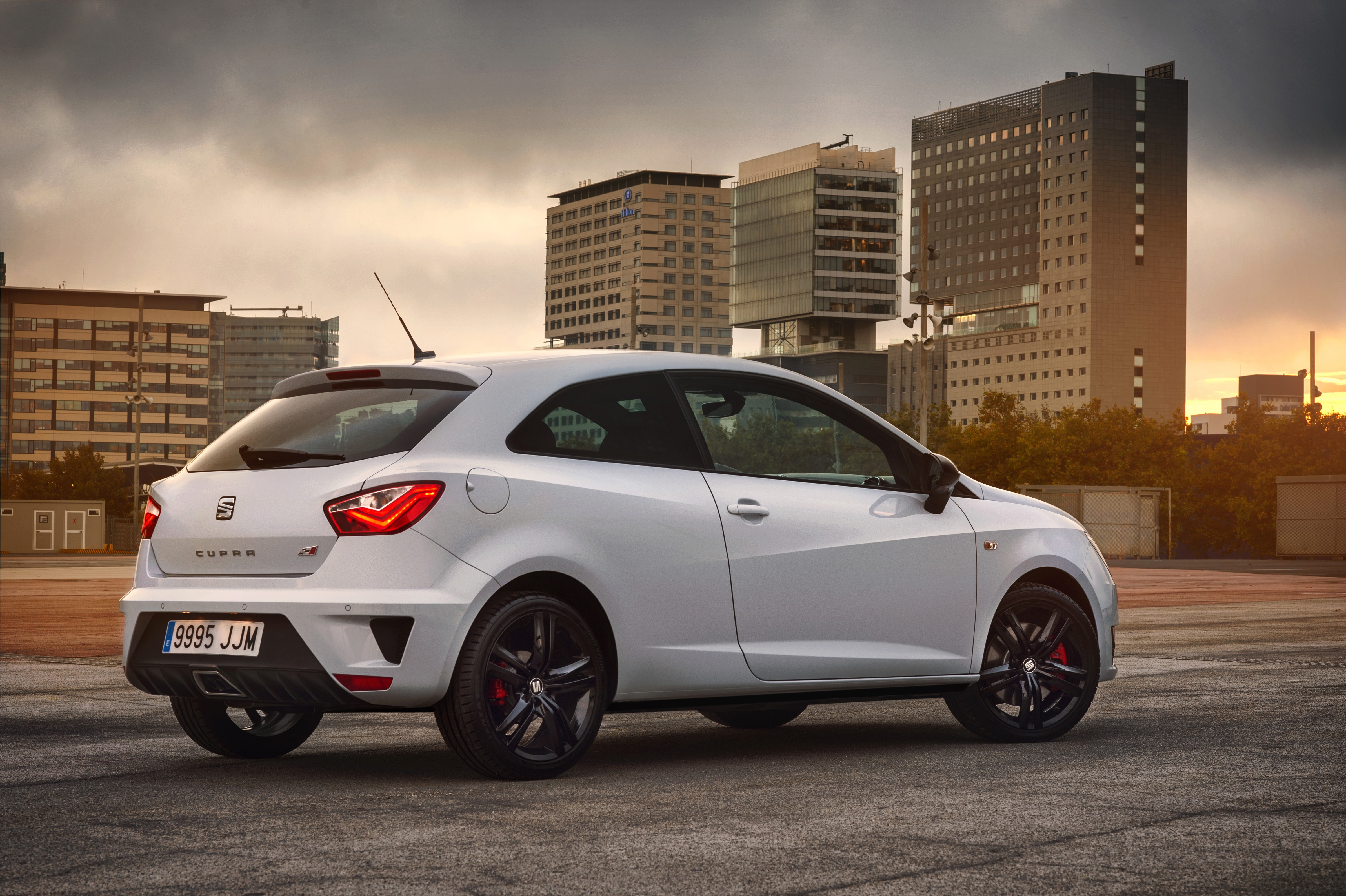 2016 seat ibiza cupra does 100 km h in thanks to 1 8l. Black Bedroom Furniture Sets. Home Design Ideas
