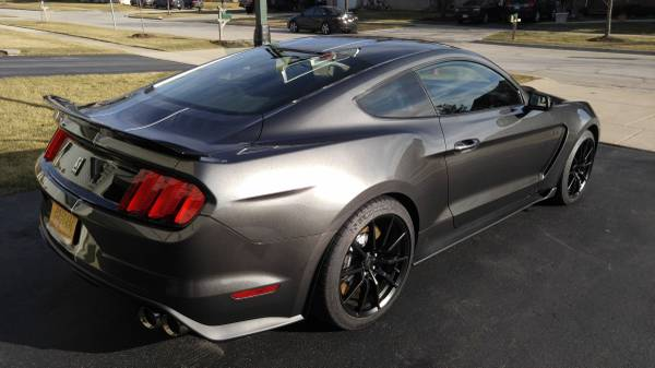 2016 Shelby GT350 on Craigslist for $130,000, GT350R Costs $175,000 at ...