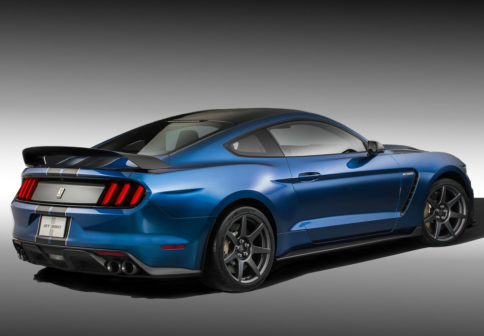 2016 shelby gt350r mustang to cost 69 995 laps the 39 ring. Black Bedroom Furniture Sets. Home Design Ideas