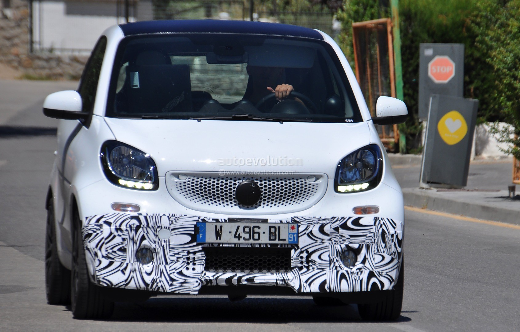2016 Smart ForTwo Brabus Spotted in Production Guise  autoevolution