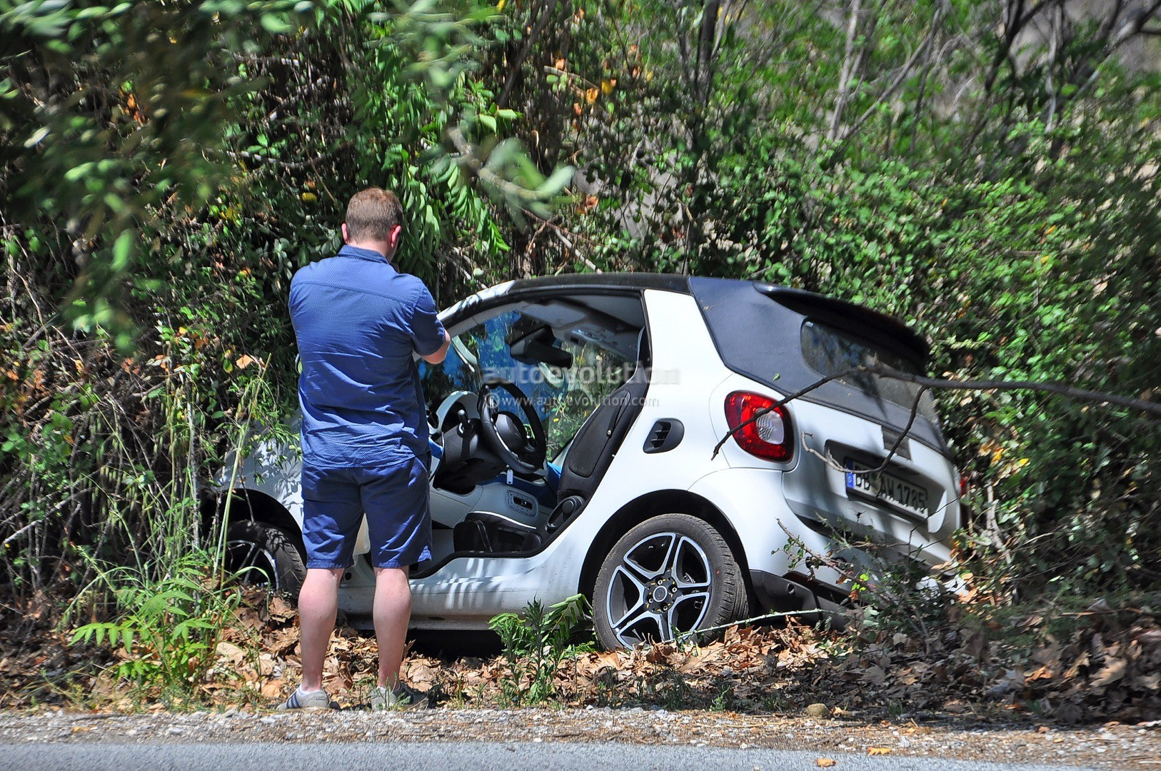 2016 Smart Fortwo Cabrio Goes OffRoad while Testing  autoevolution