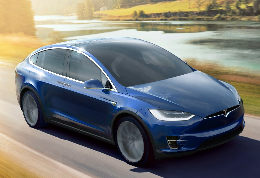 2016 tesla model x priced from 71 900 in the uk p90d costs 99 800. Black Bedroom Furniture Sets. Home Design Ideas