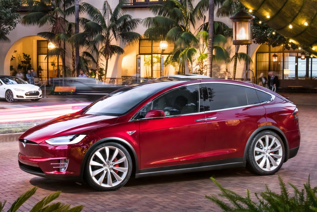 Tesla Model S 75D >> 2016 Tesla Model X Priced from £71,900 in the UK, P90D Costs £99,800 - autoevolution