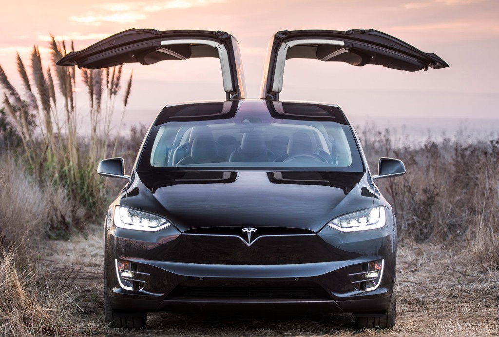 2016 tesla model x priced from 71 900 in the uk p90d costs 99 800 autoevolution. Black Bedroom Furniture Sets. Home Design Ideas