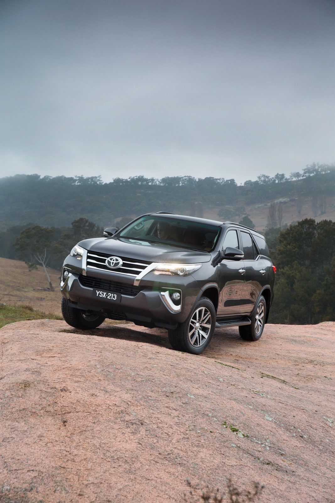 Toyota Fortuner Debuts In Australia And Thailand With Liter Hp Engine Photo Gallery