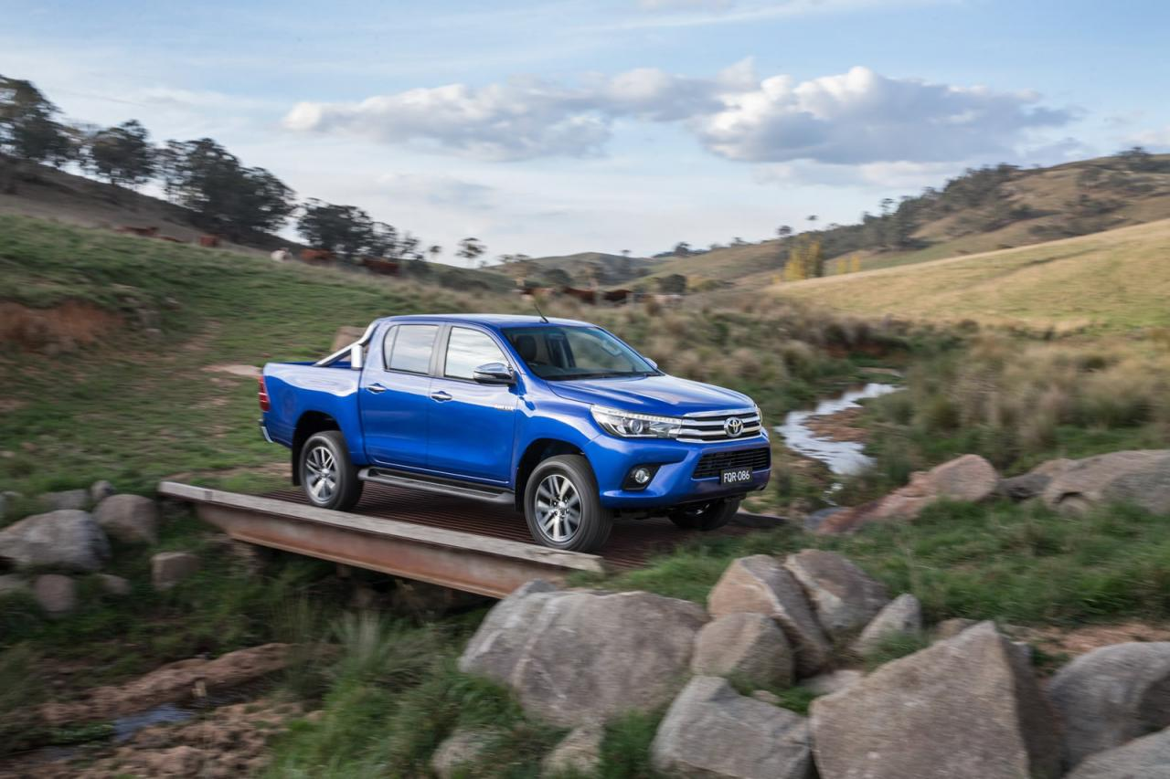 2016 Toyota Hilux Pickup is Here to Redefine Toughness