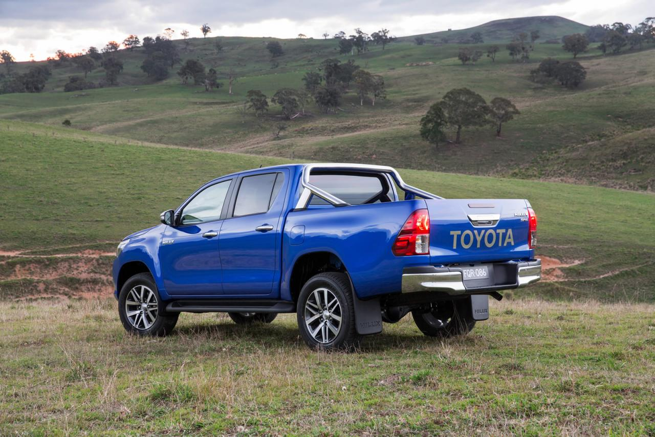 2016 toyota hilux pickup is here to redefine toughness autoevolution. Black Bedroom Furniture Sets. Home Design Ideas