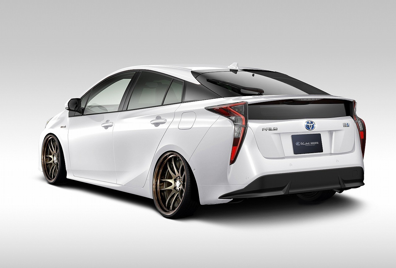2016 Toyota Prius Getting Hellaflush Body Kit From Kuhl