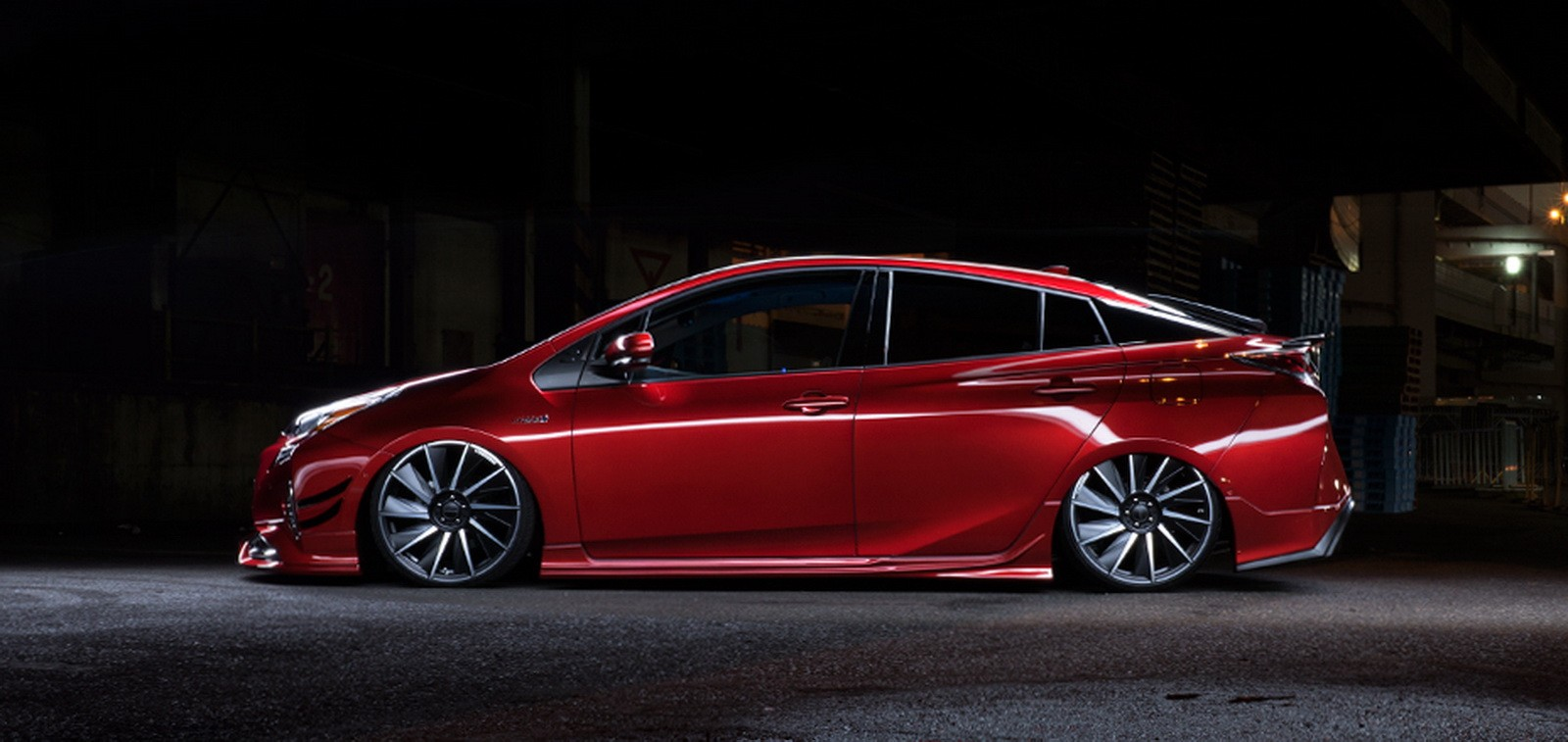 2016 Toyota Prius Tuned By Wald Looks Decent