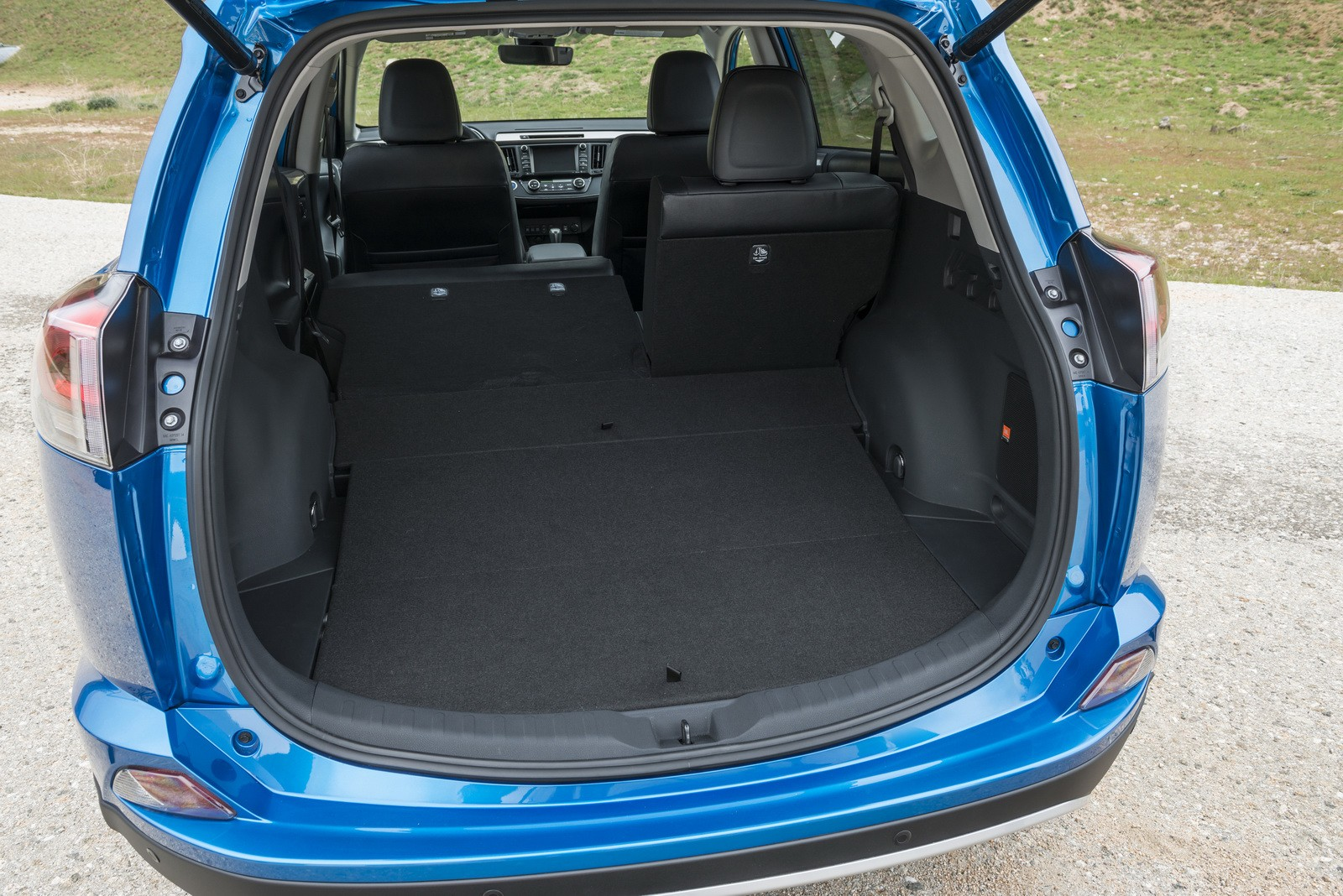 2016 toyota rav4 hybrid pricing announced full specs. Black Bedroom Furniture Sets. Home Design Ideas