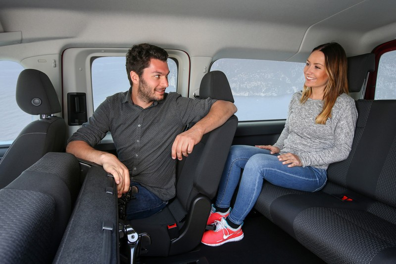 2016 volkswagen caddy with natural gas and dsg debuts in. Black Bedroom Furniture Sets. Home Design Ideas