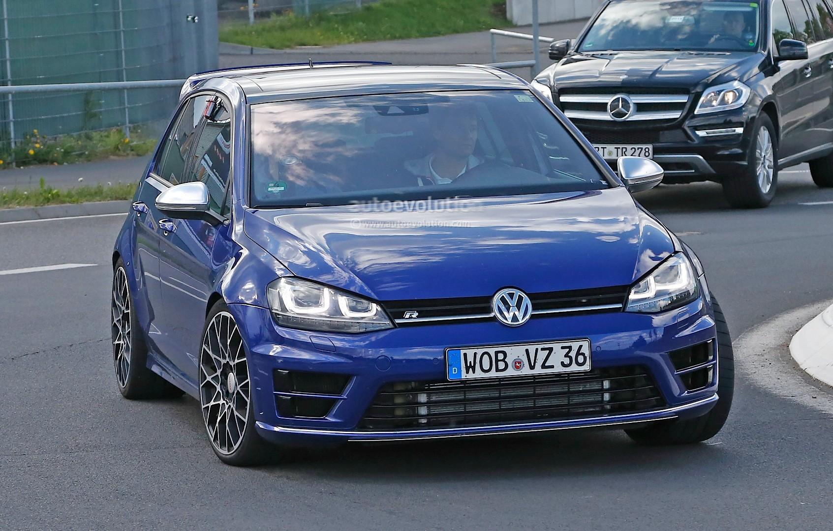 Golf R Vs Gti >> 2016 Volkswagen Golf R400 First Spy Photos Show Hyper ...