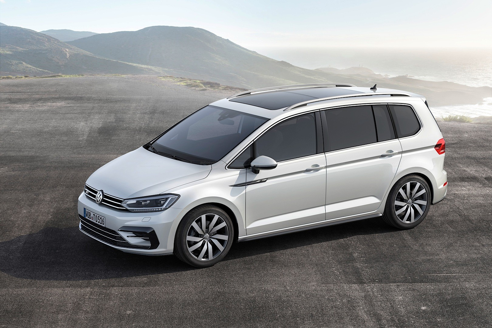 2016 volkswagen touran gets 1 8 tsi 180 hp and 2 0 tdi 190 hp engines autoevolution. Black Bedroom Furniture Sets. Home Design Ideas