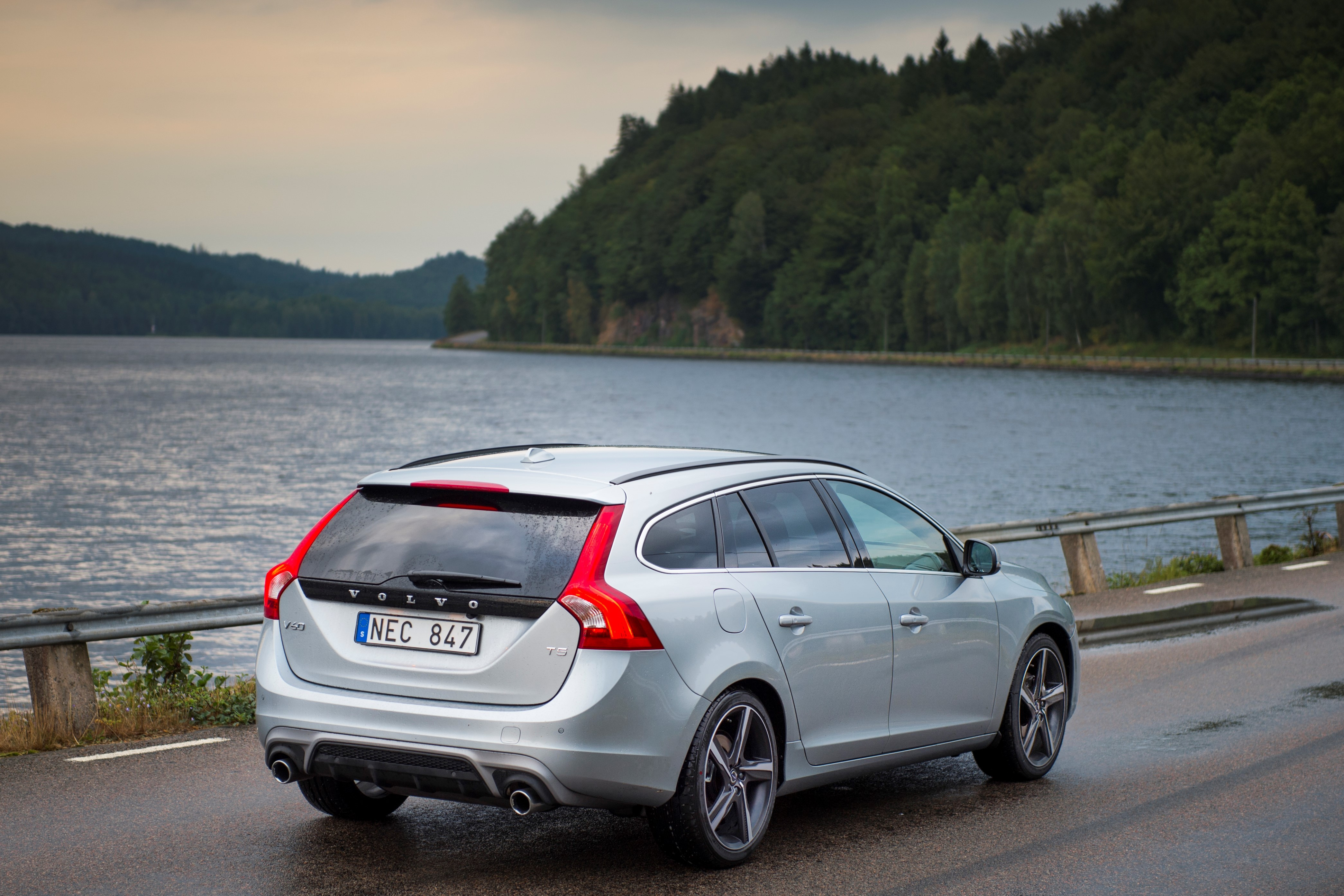 2016 volvo updates announced new t6 awd for s60 v60 and xc60 plus carplay for xc90. Black Bedroom Furniture Sets. Home Design Ideas