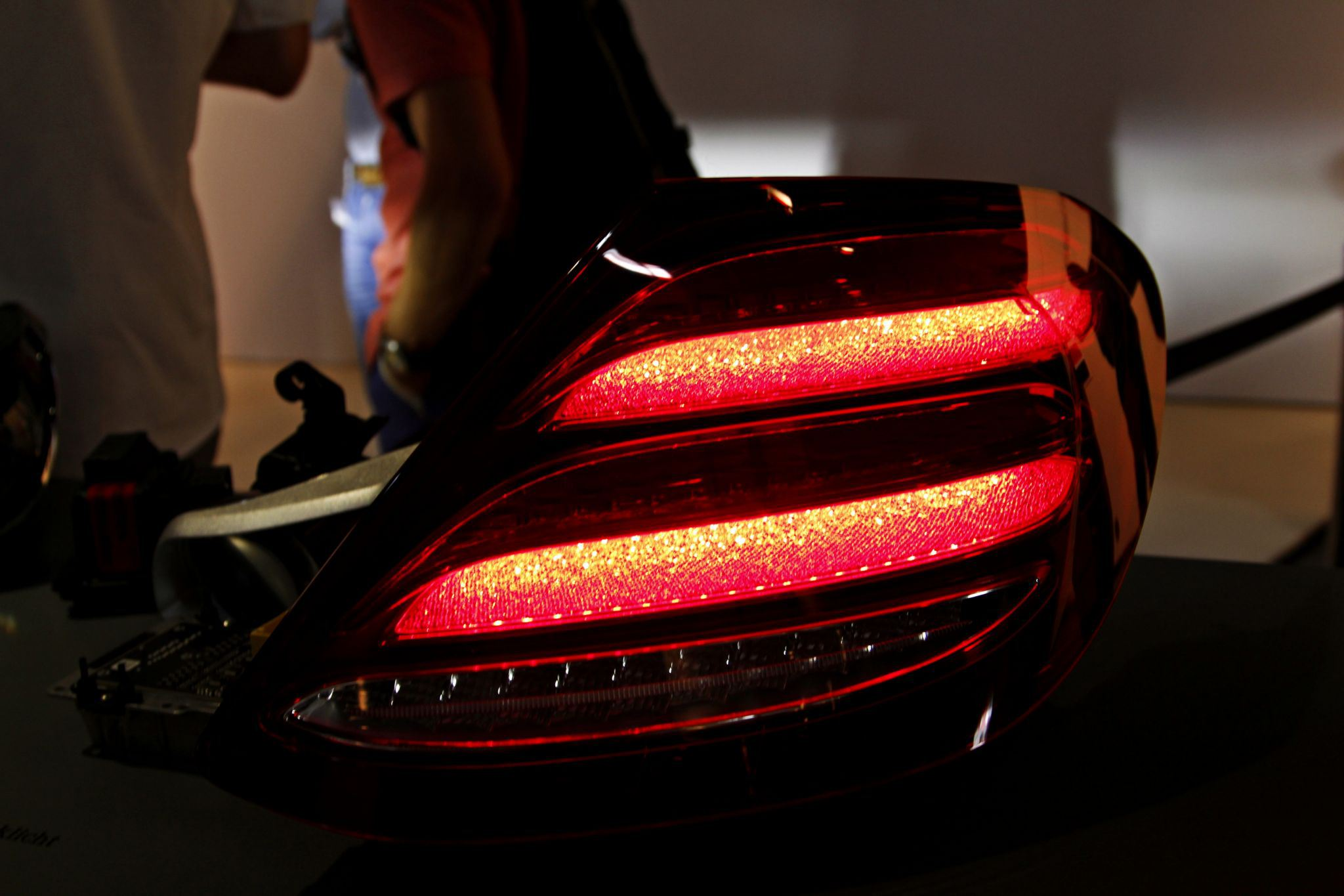 2016 w213 mercedes e class taillights revealed allegedly for Mercedes benz lighting