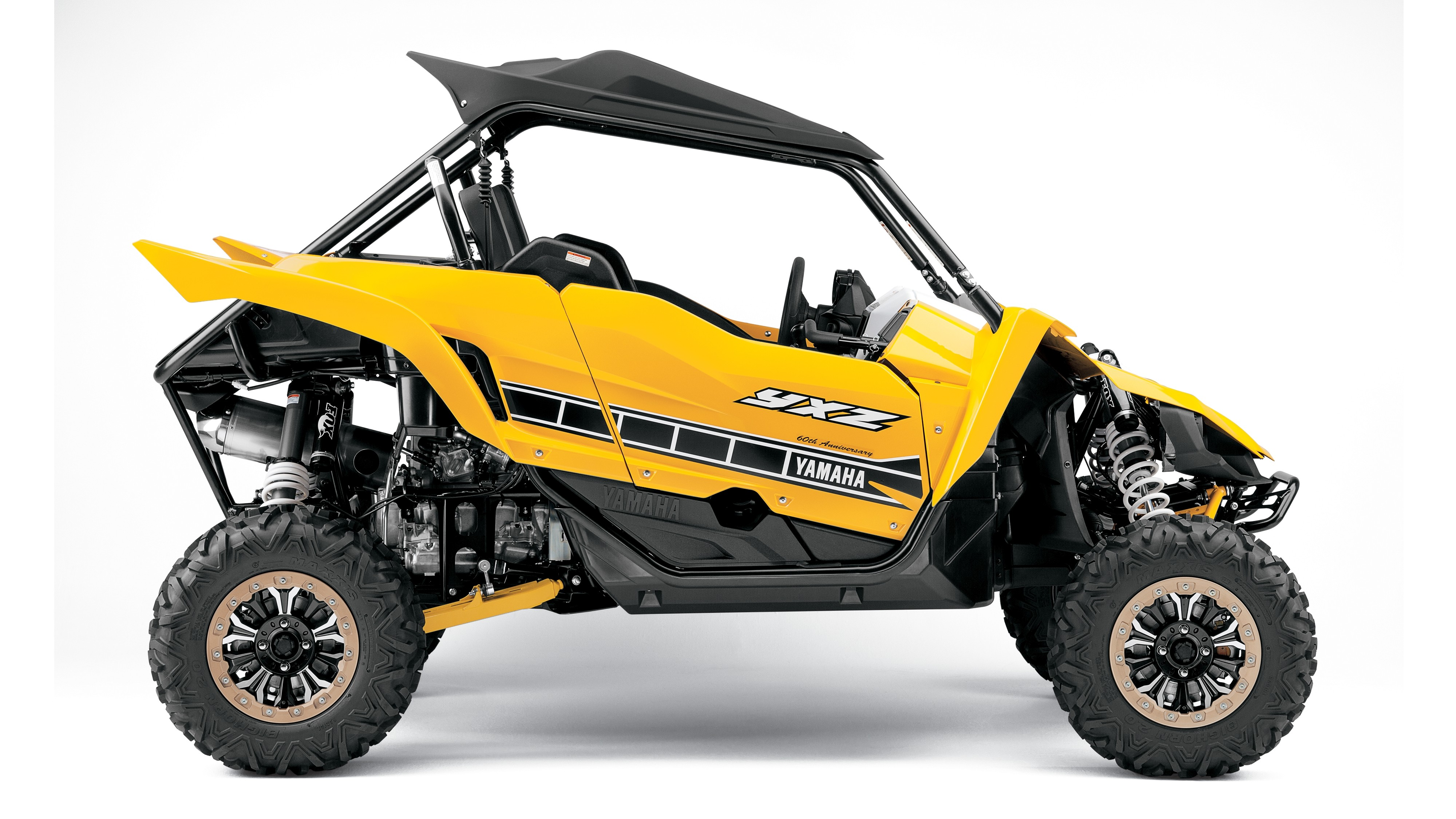 2016 Yamaha YXZ1000R Is A Three Cylinder Supersport SxS