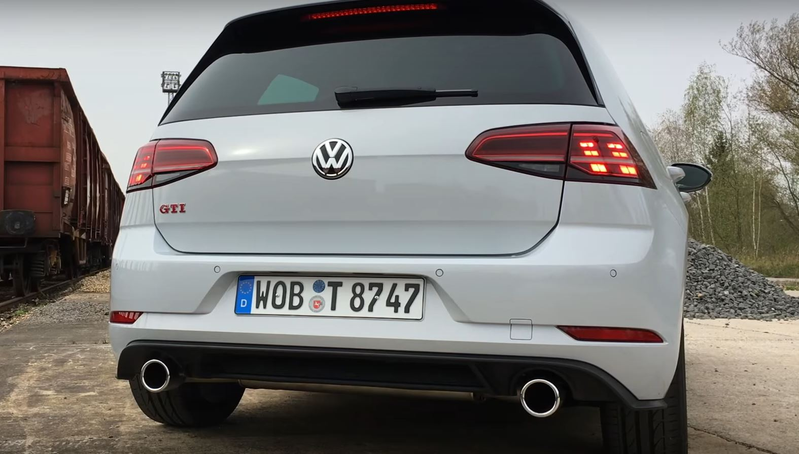 2017 2018 Golf GTI Does Fuel Consumption Test Exhaust Sound Check