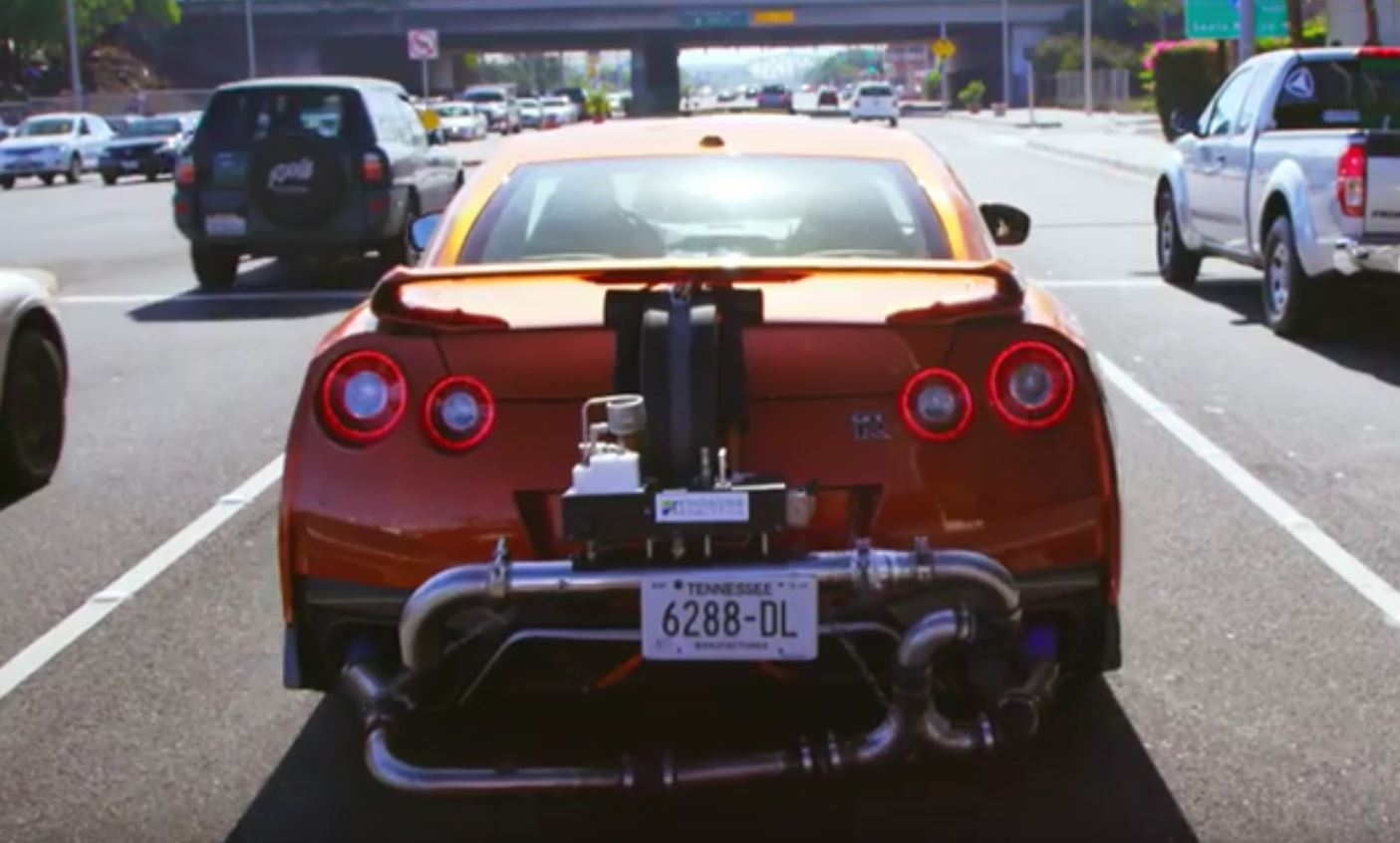 2017 Acura NSX Takes on the Nissan GT-R in Epic Japanese Supercar ...