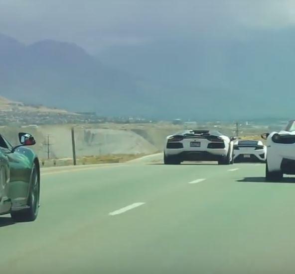 2017 Acura NSX Drag Races Lamborghini Aventador With