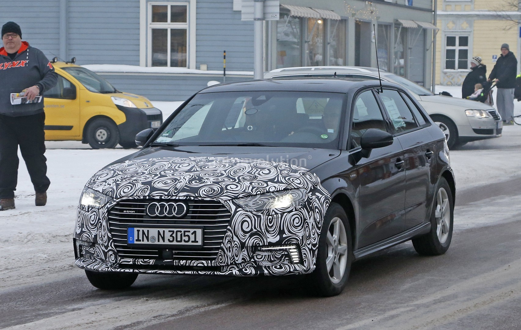 2017 Audi A3 e-tron Facelift Shows A4 Headlights and New LEDs - autoevolution