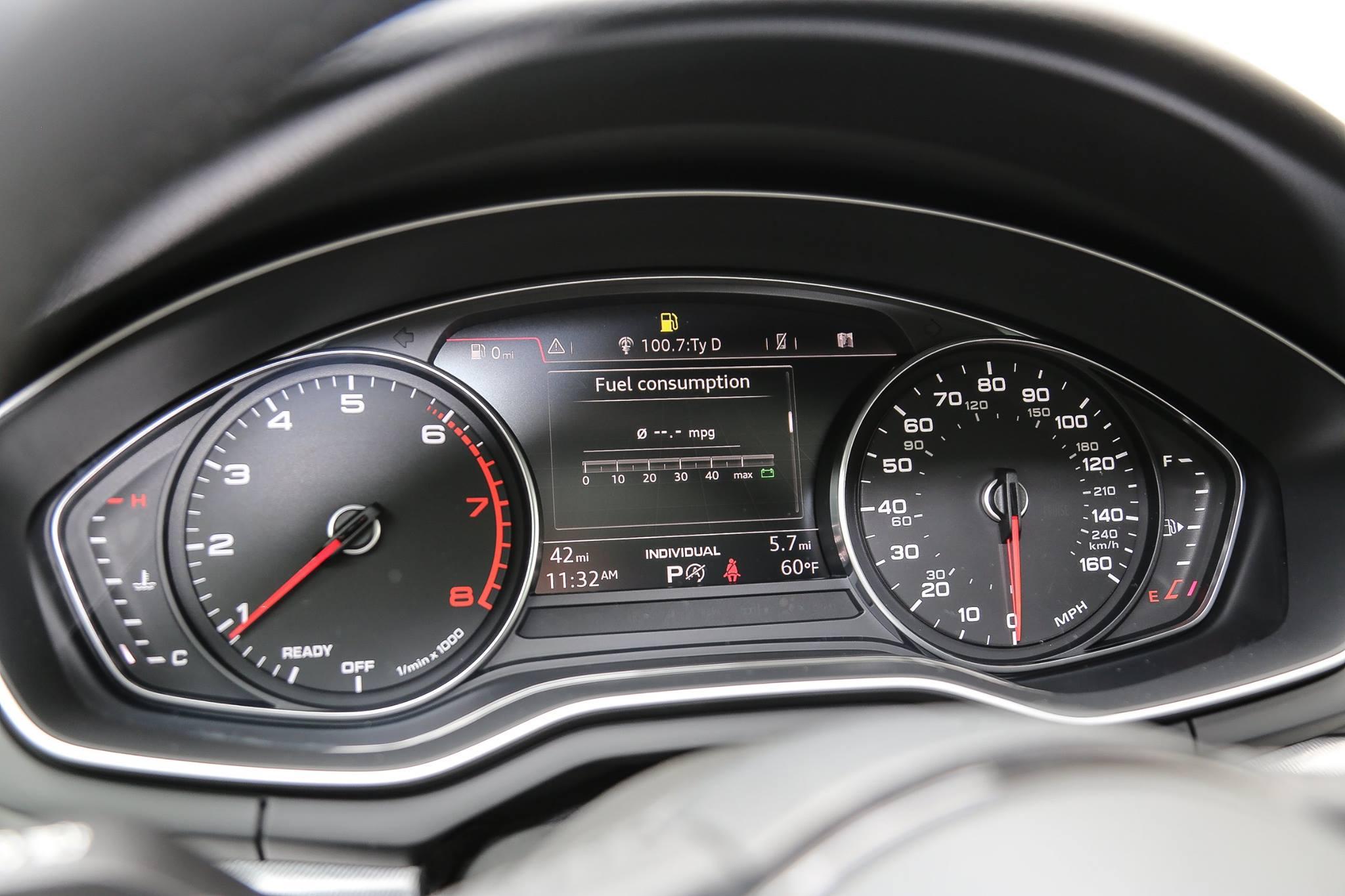 Audi A With Standard Xenon Headlights Looks Boring Autoevolution - 2018 audi a4 headlights