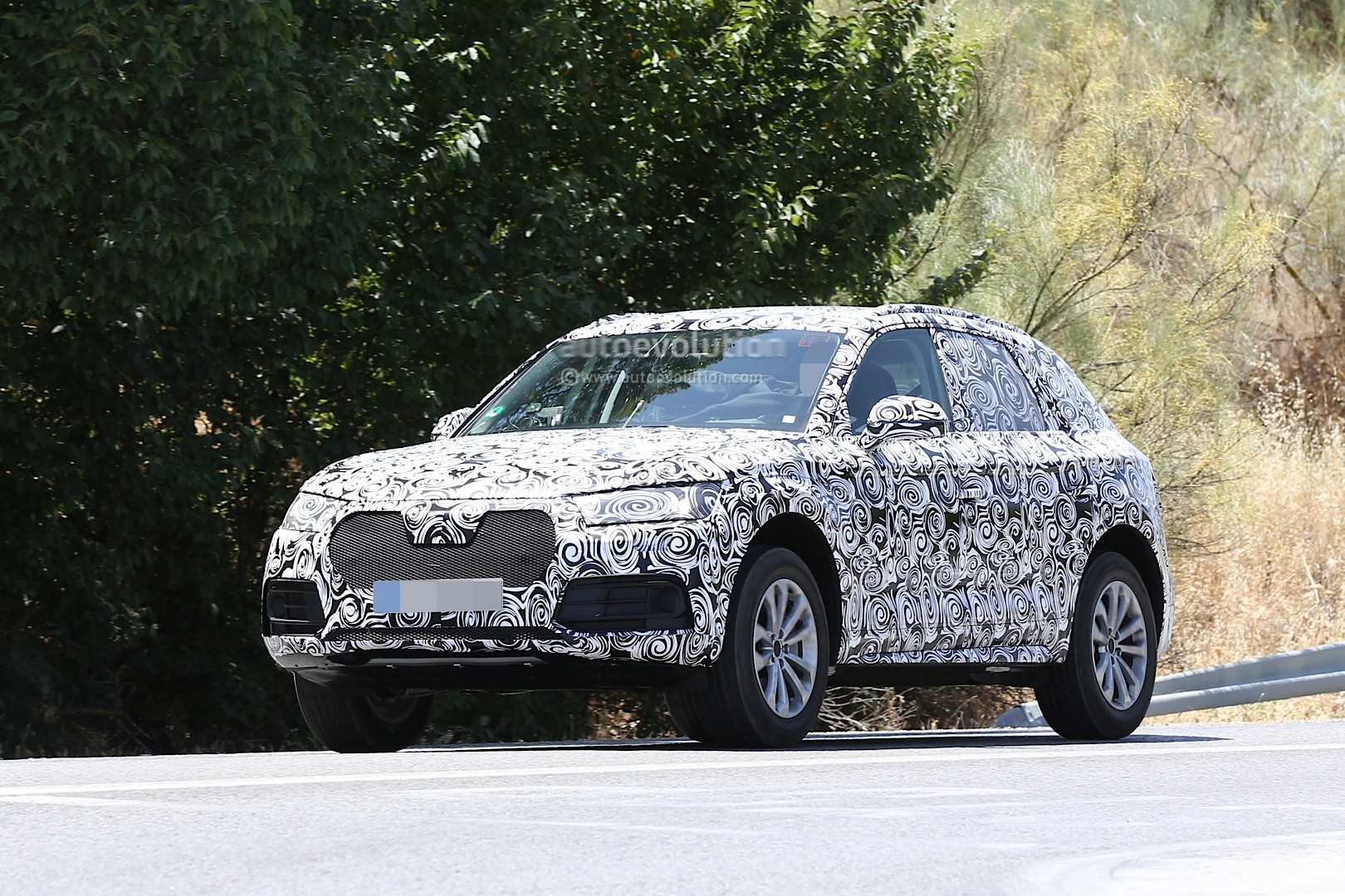 Mercedes Benz Suv Models >> 2017 Audi Q5 Makes Spy Photo Debut with New Family Face - autoevolution