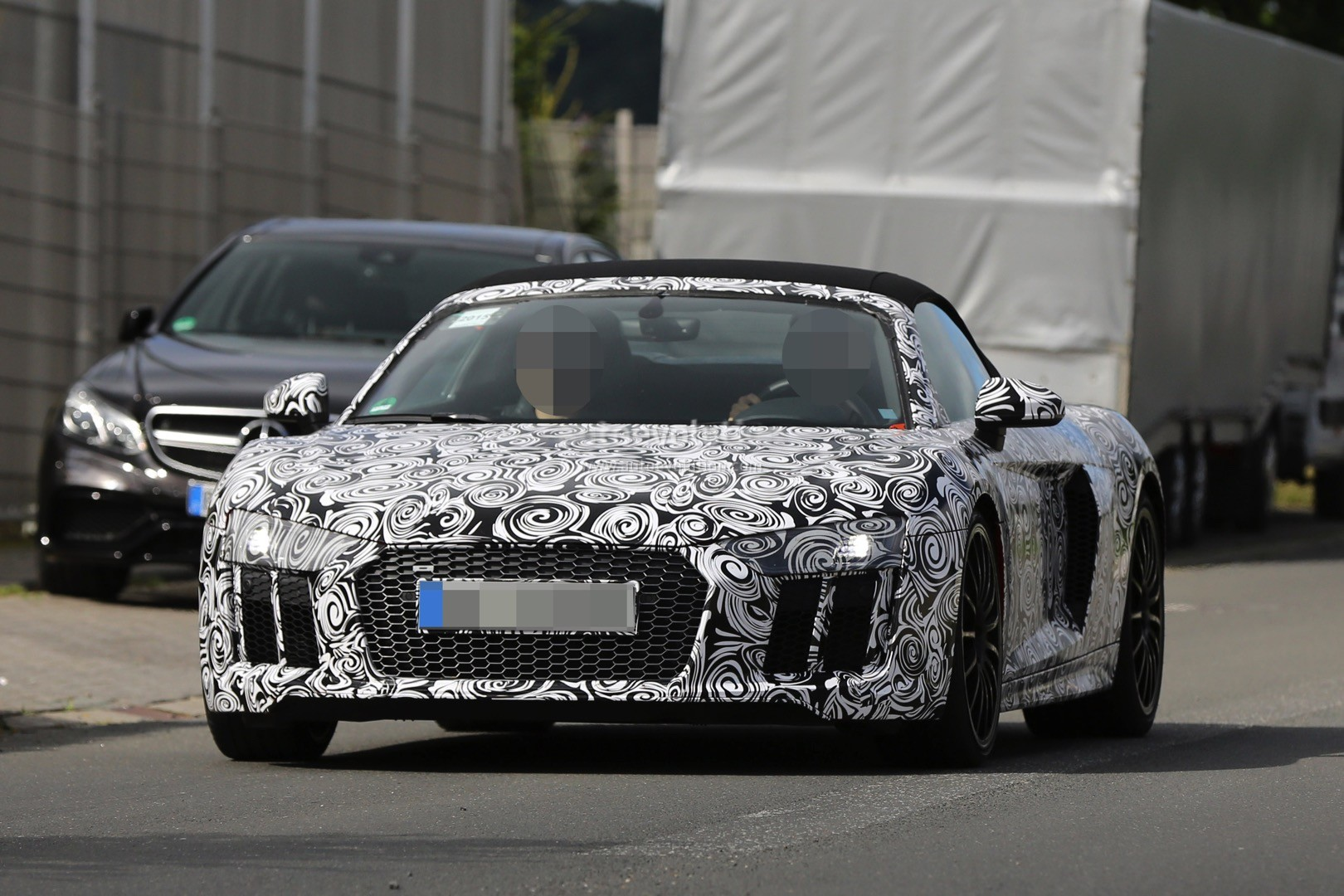 2017 audi r8 spyder spied again could challenge turbo s cabrio autoevolution. Black Bedroom Furniture Sets. Home Design Ideas