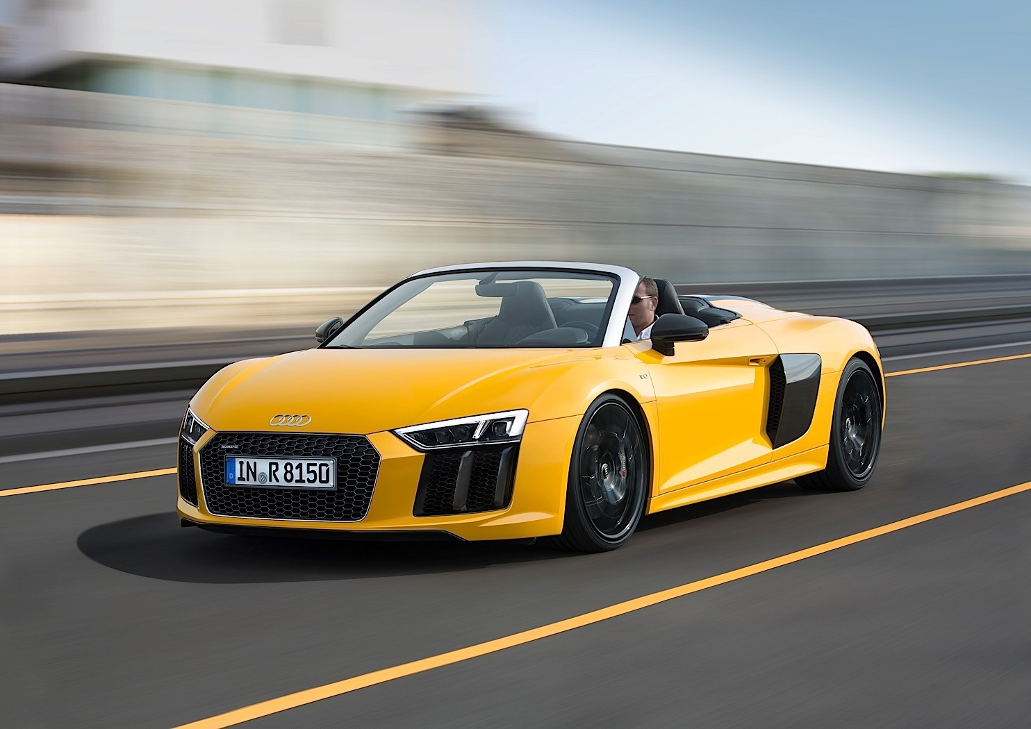 2017 audi r8 spyder v10 goes kinky topless in new york autoevolution. Black Bedroom Furniture Sets. Home Design Ideas
