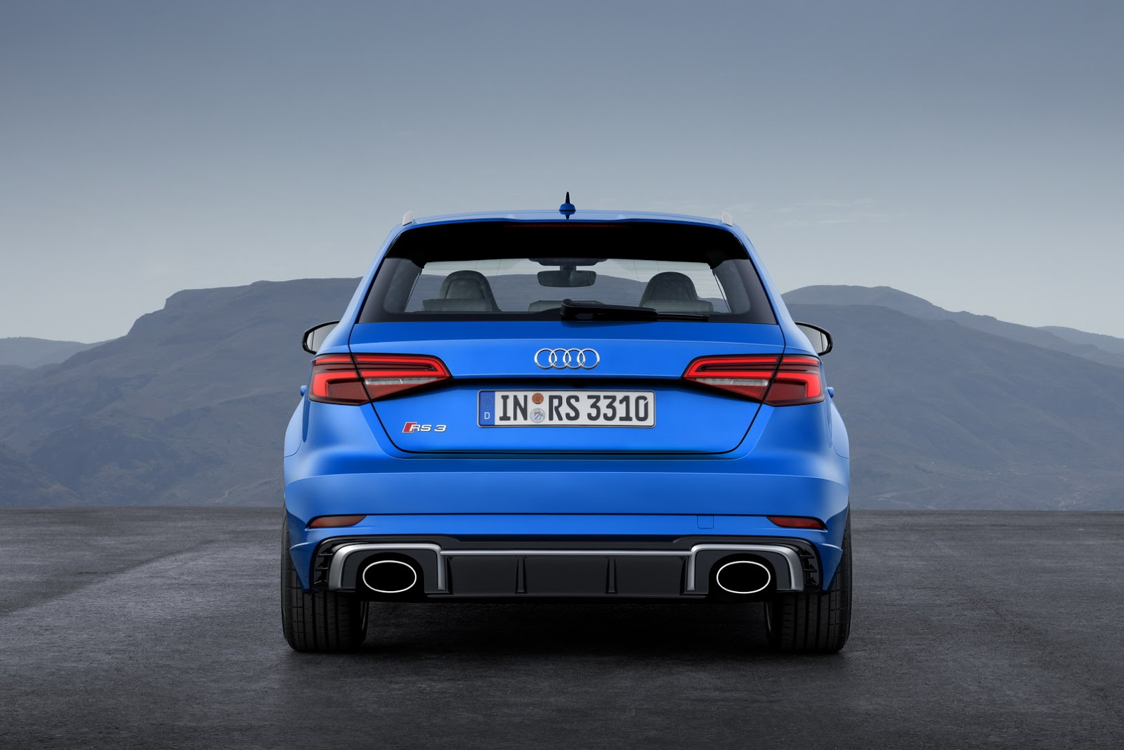 2017 audi rs3 sportback revealed has same 400 hp engine as tt rs autoevolution. Black Bedroom Furniture Sets. Home Design Ideas