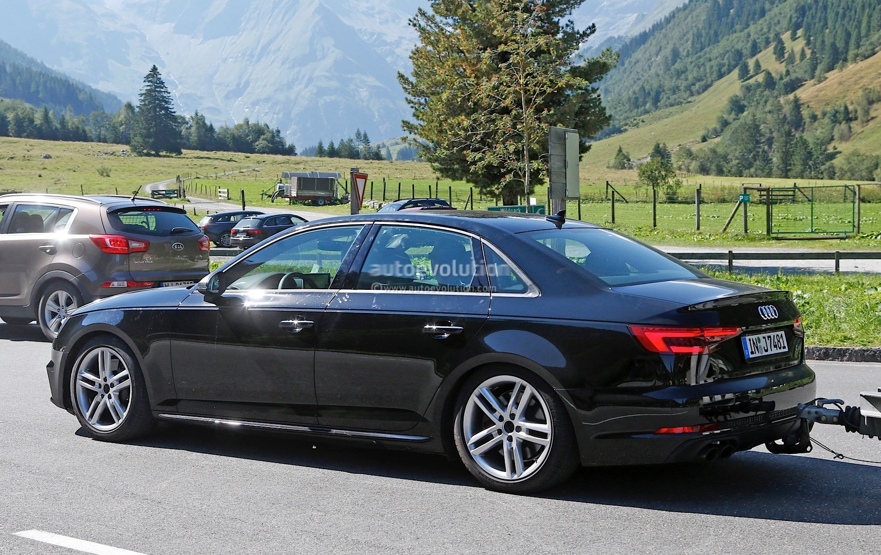 2017 audi s4 spotted testing in the alps the camouflage is completely gone autoevolution. Black Bedroom Furniture Sets. Home Design Ideas