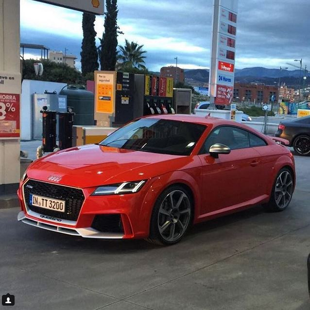 2017 Audi TT RS Completely Revealed While Filling Up Its