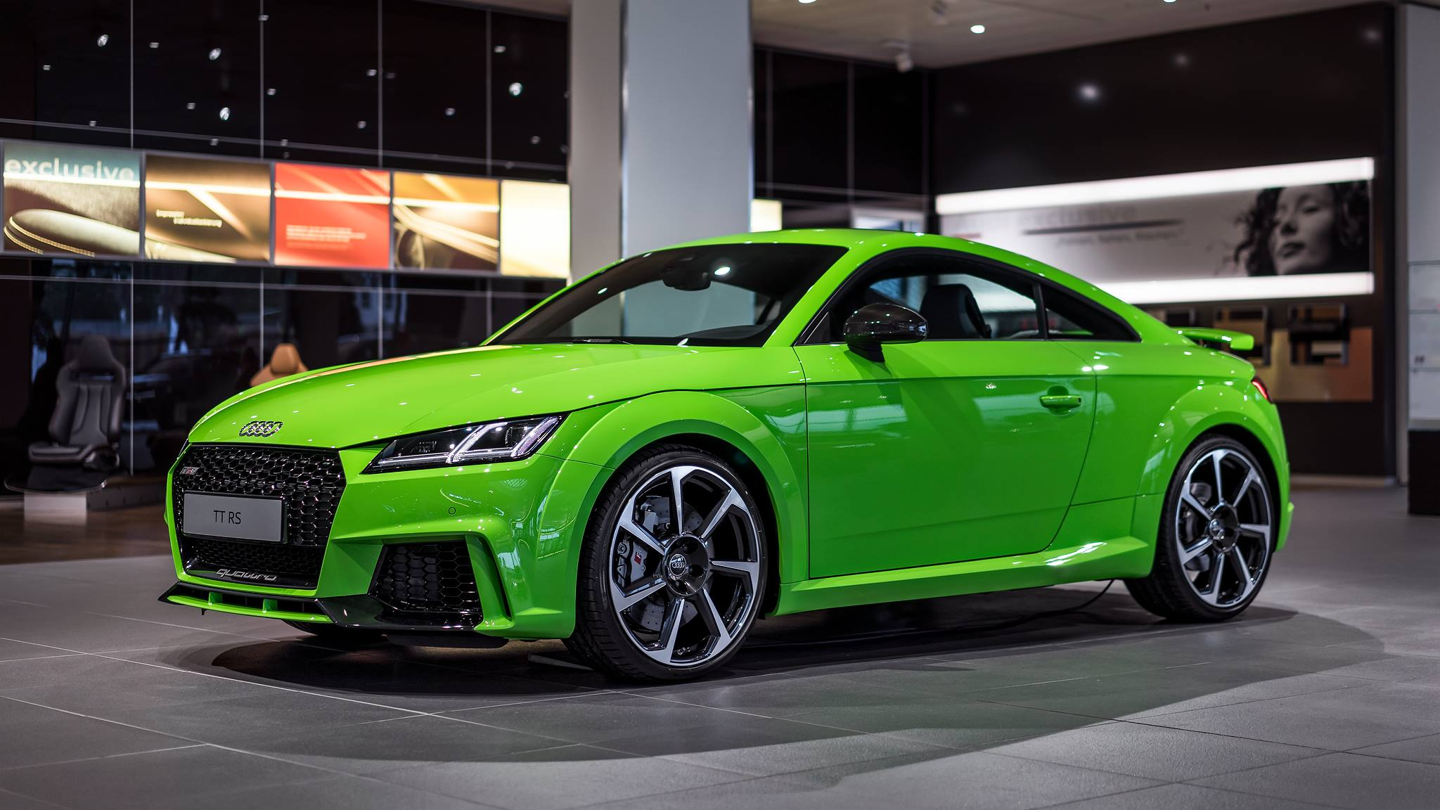 2017 audi tt rs in lime green looks like a tiny exotic car. Black Bedroom Furniture Sets. Home Design Ideas