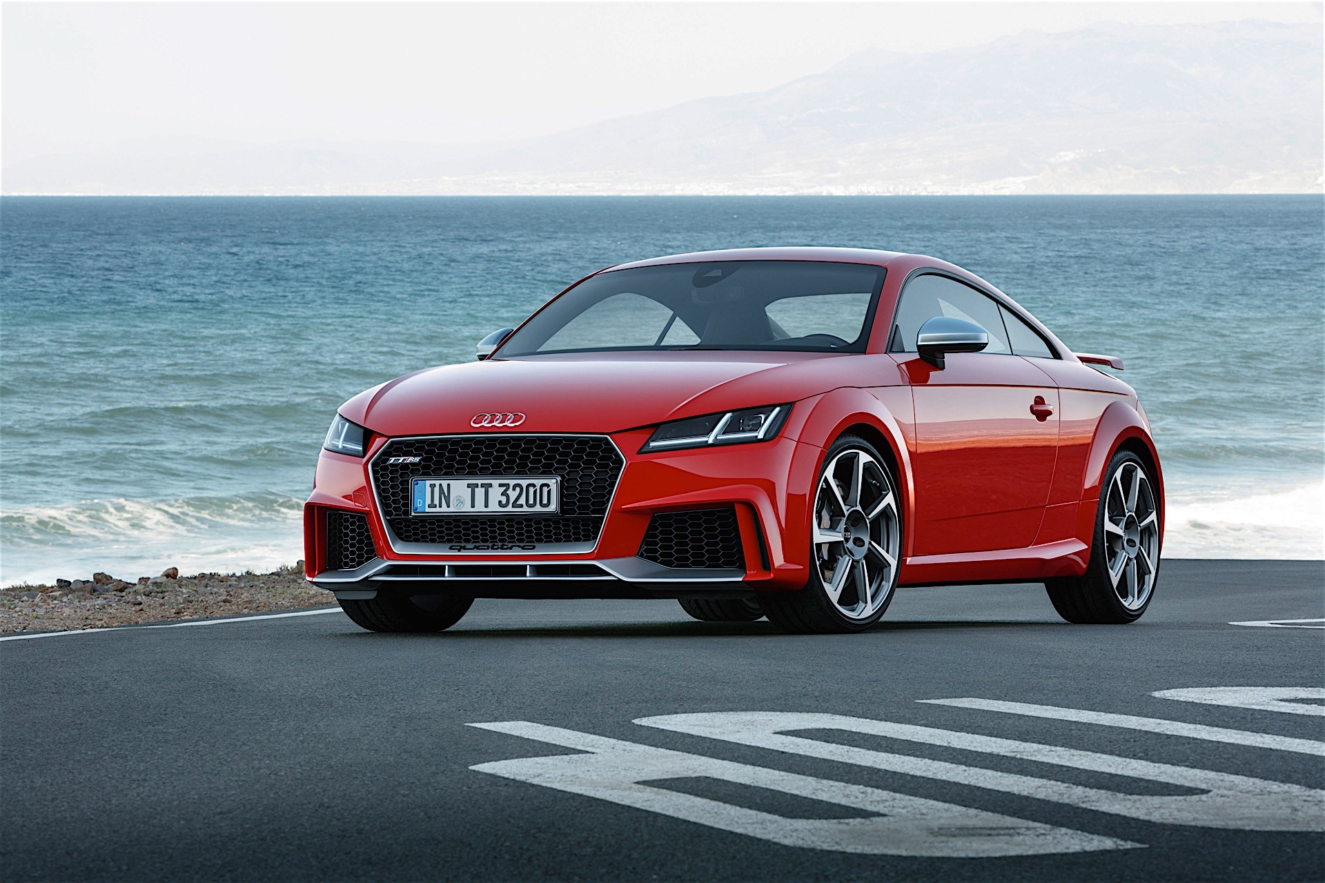 2017 audi tt rs roadster and coupe bow in beijing with 400 hp and awd autoevolution. Black Bedroom Furniture Sets. Home Design Ideas