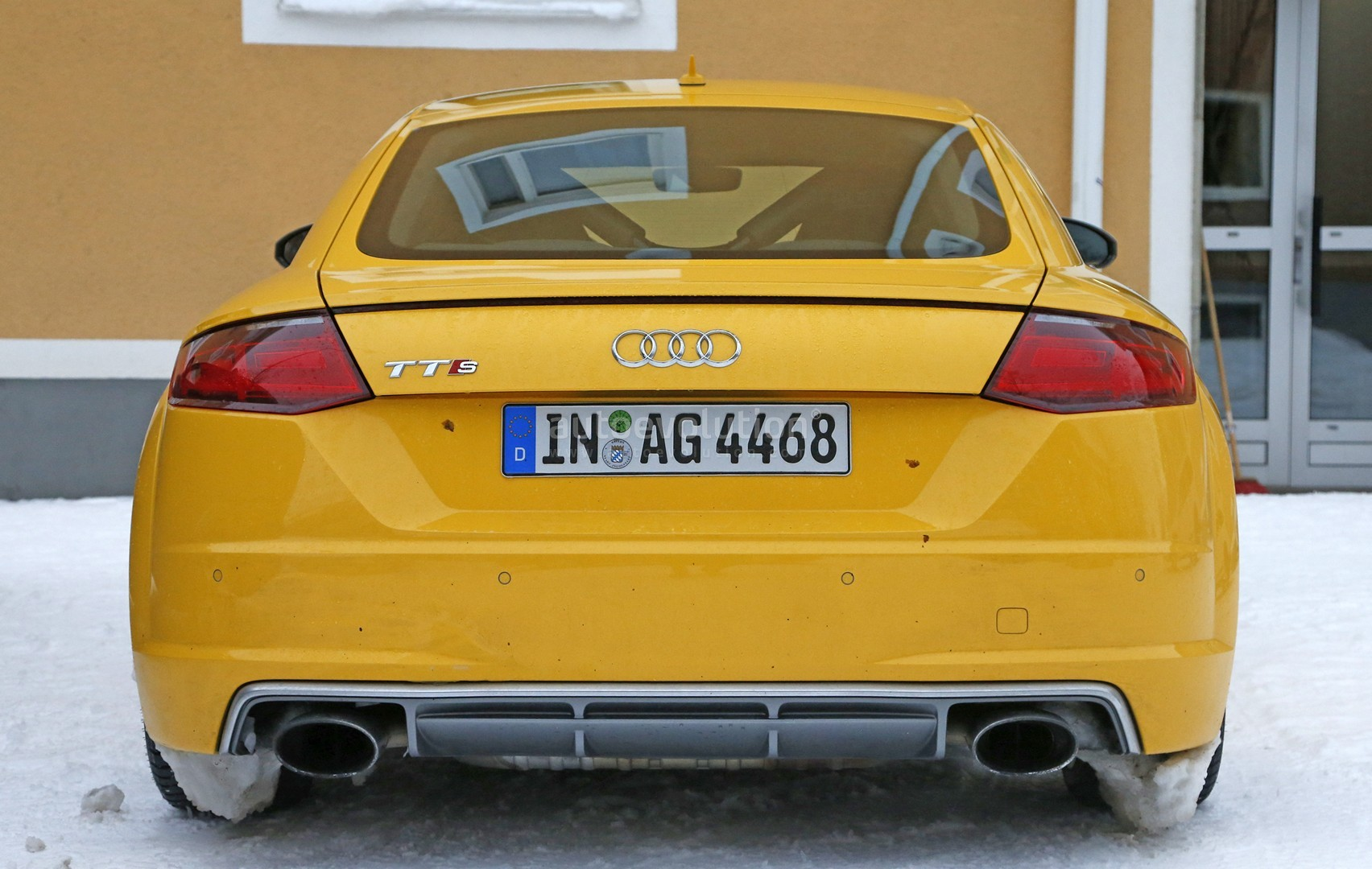 2017 audi tt rs spy photos reveal manual gearbox for the first time rh autoevolution com 2011 Audi TT Owner's Manual New Audi TT