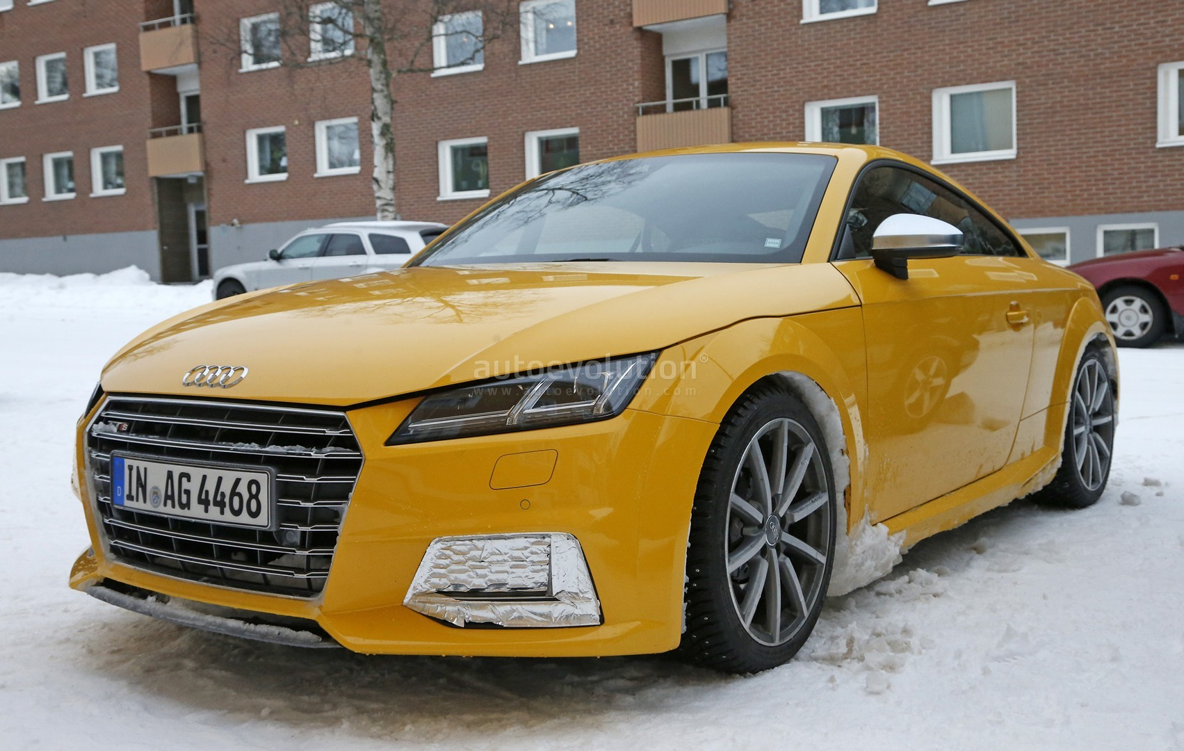 2017 audi tt rs spy photos reveal manual gearbox for the. Black Bedroom Furniture Sets. Home Design Ideas