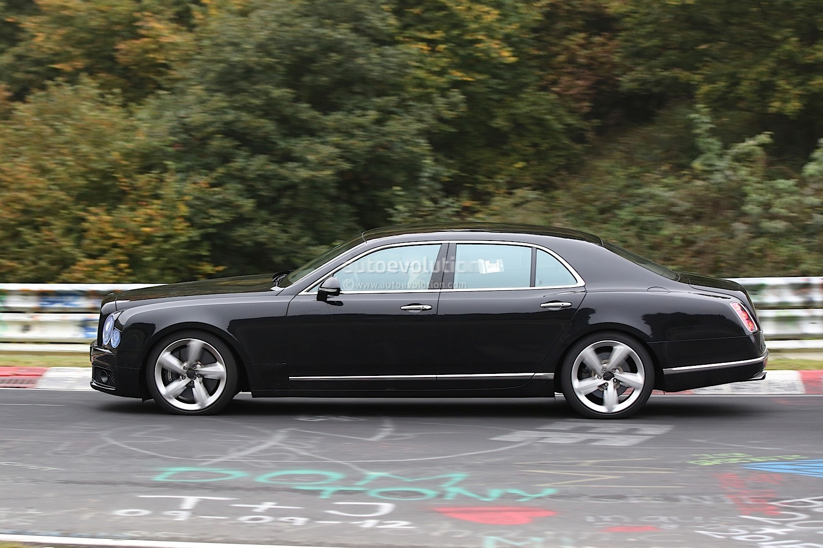 2017 Bentley Mulsanne Spyshots Reveal Long Wheelbase Model