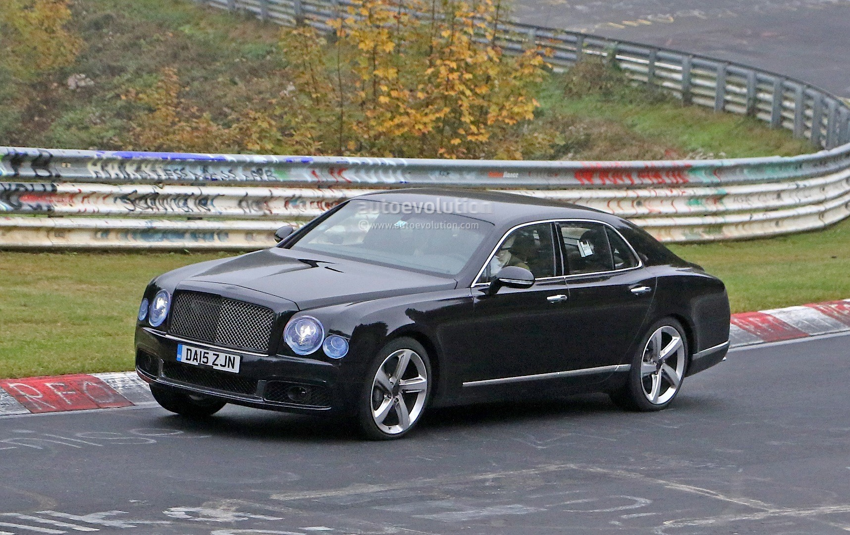 2017 bentley mulsanne spyshots reveal long wheelbase model arnage 2017 bentley mulsanne spyshots vanachro Image collections