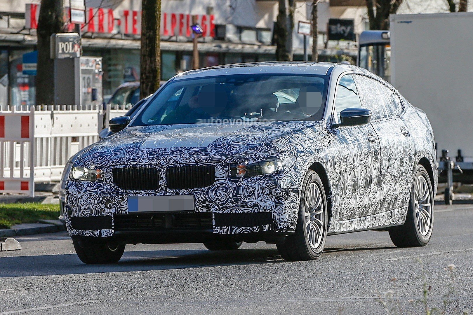 2017 bmw 5 series gran turismo spied again with improved design autoevolution. Black Bedroom Furniture Sets. Home Design Ideas