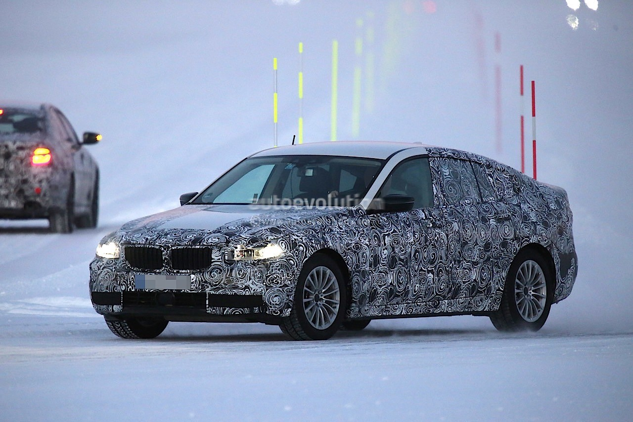 2017 bmw 5 series gt spied testing alongside bmw g30 5. Black Bedroom Furniture Sets. Home Design Ideas
