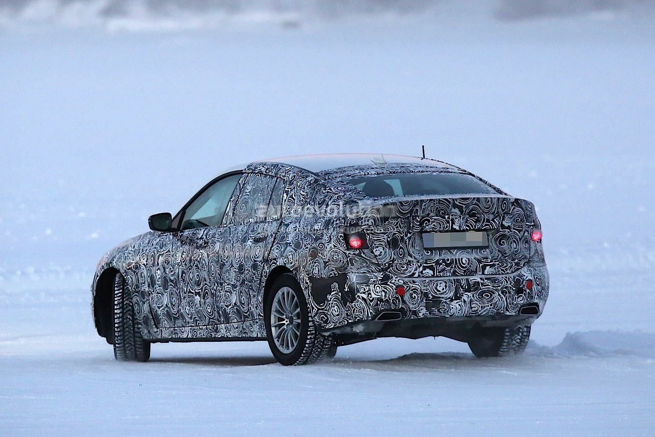 2017-bmw-5​-series-gt​-spied-tes​ting-along​side-bmw-g​30-5-serie​s_7