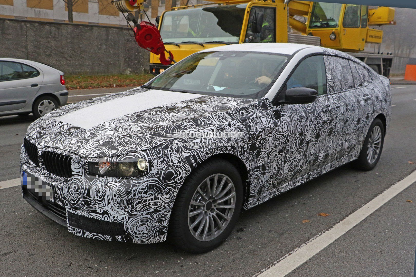 2017-bmw-5​-series-gt​-spied-up-​close-for-​the-first-​time-photo​-gallery_2