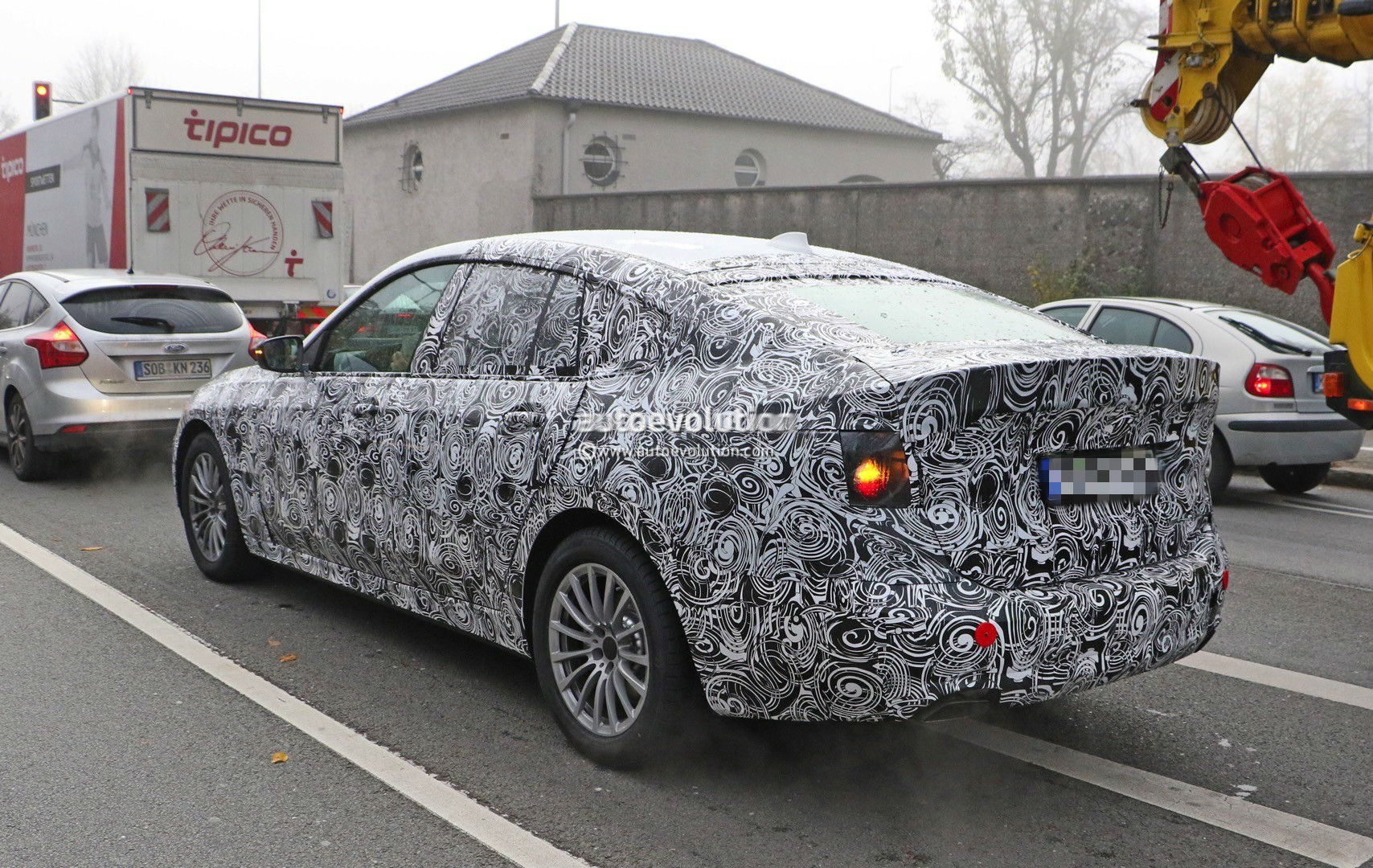 2017-bmw-5​-series-gt​-spied-up-​close-for-​the-first-​time-photo​-gallery_4