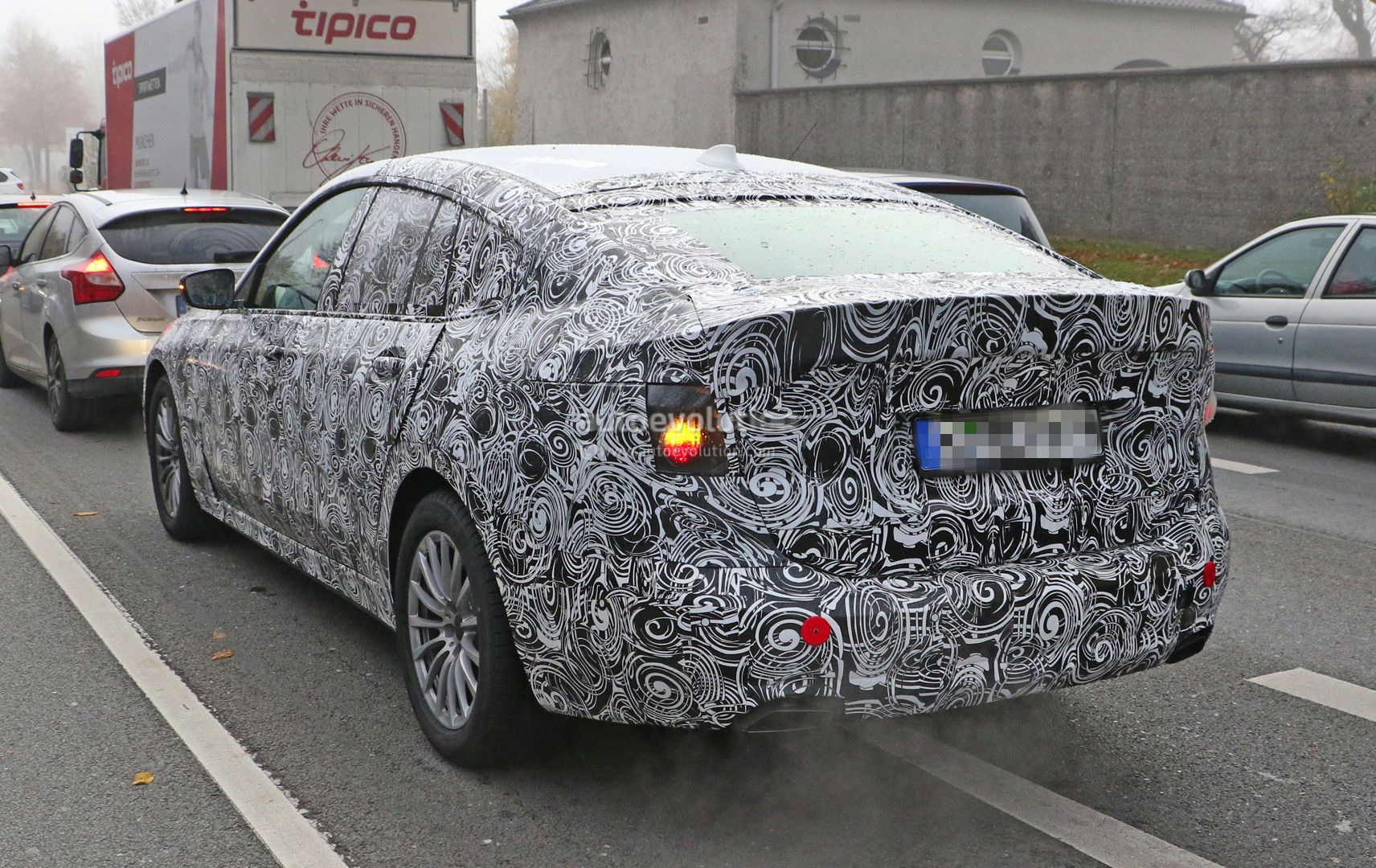 2017-bmw-5​-series-gt​-spied-up-​close-for-​the-first-​time-photo​-gallery_5