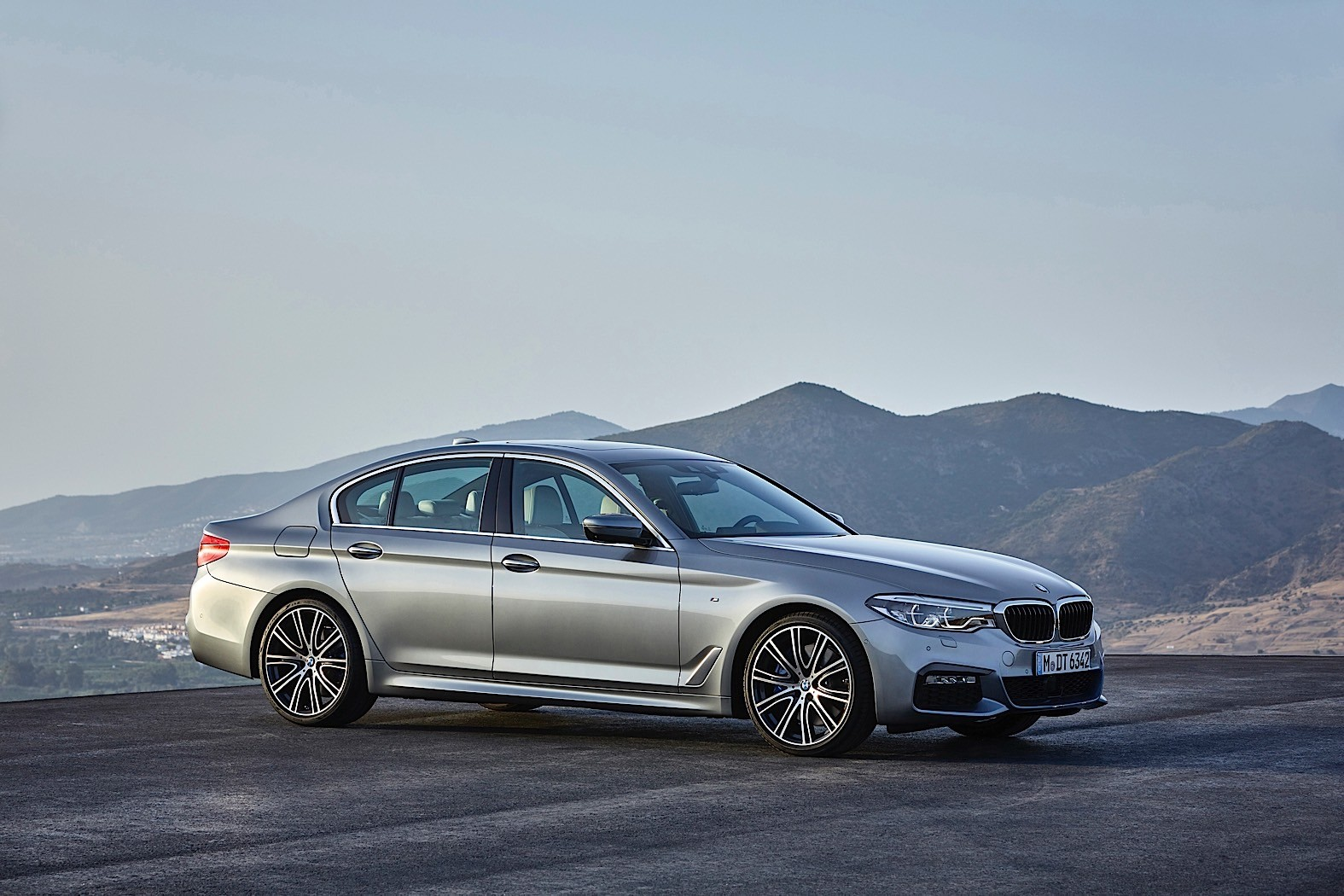 2017 bmw 5 series price announced in germany 520d starts from 45 200 autoevolution. Black Bedroom Furniture Sets. Home Design Ideas