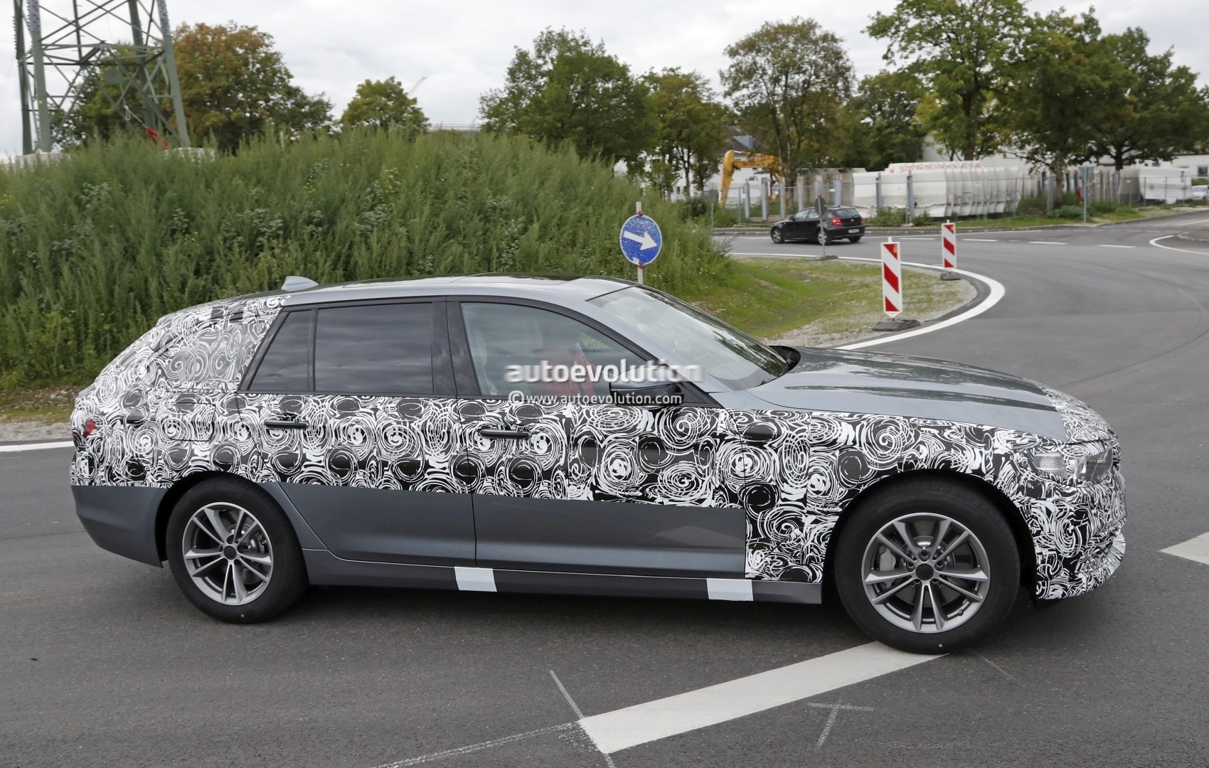 2017 Bmw 5 Series Touring Pre Production Car Loses Some Camo Sedan Spied With Less