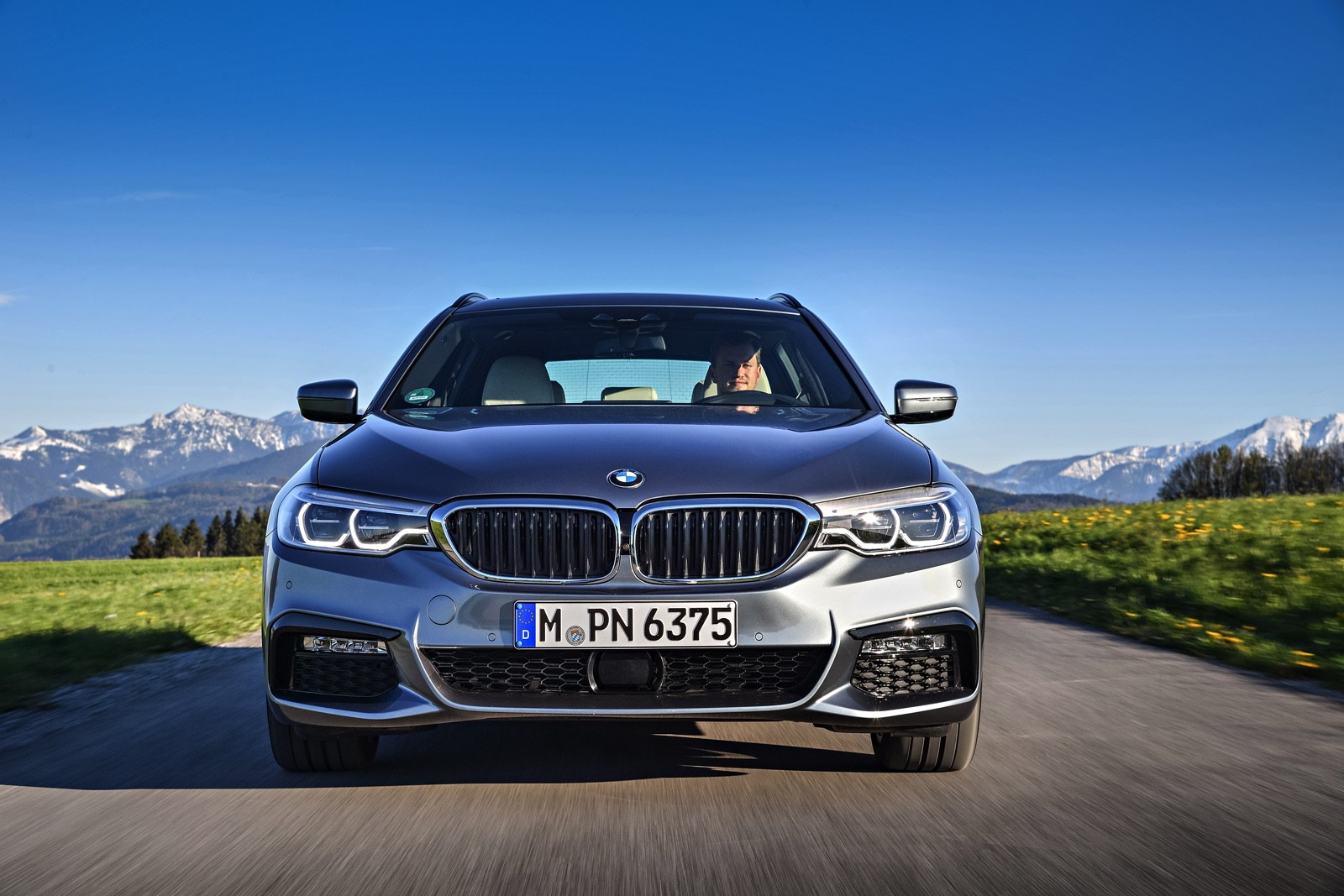 2017 bmw 520d and 530d kick off touring season configurator launched autoevolution. Black Bedroom Furniture Sets. Home Design Ideas
