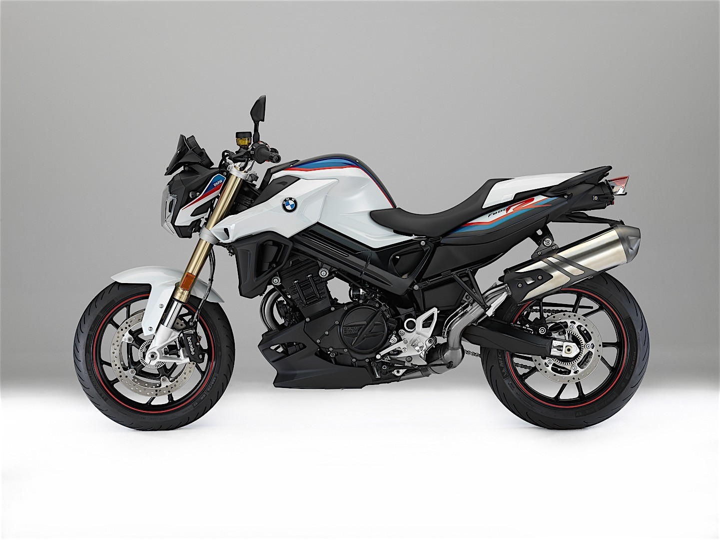 2017 bmw f 800 r and f 800 gt updated at eicma autoevolution. Black Bedroom Furniture Sets. Home Design Ideas