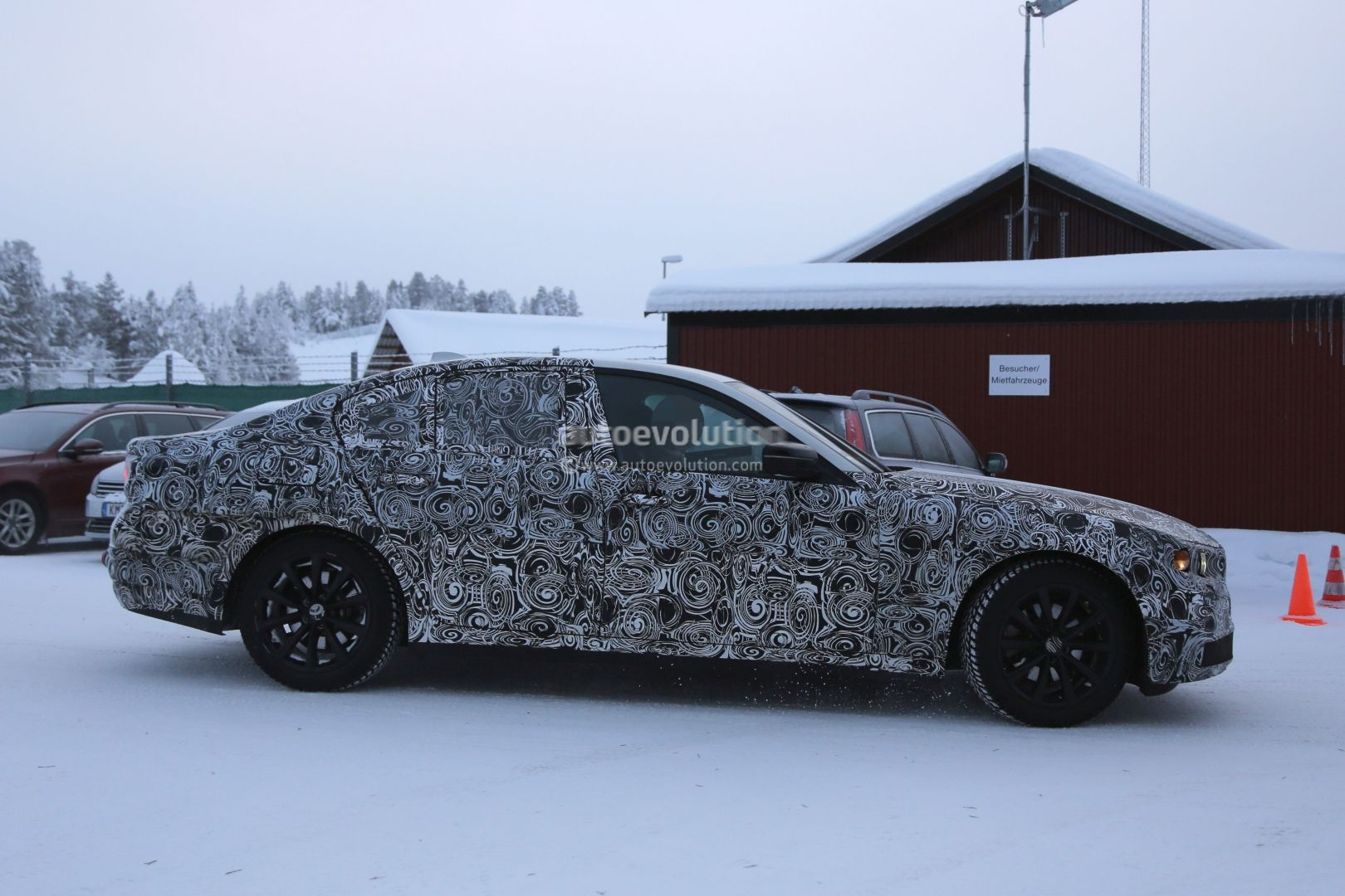2016 - [BMW] Série 5 Berline & Touring [G30/G31] - Page 6 2017-bmw-g30-5-series-plug-in-hybrid-spied-testing-near-the-arctic-circle-photo-gallery_4