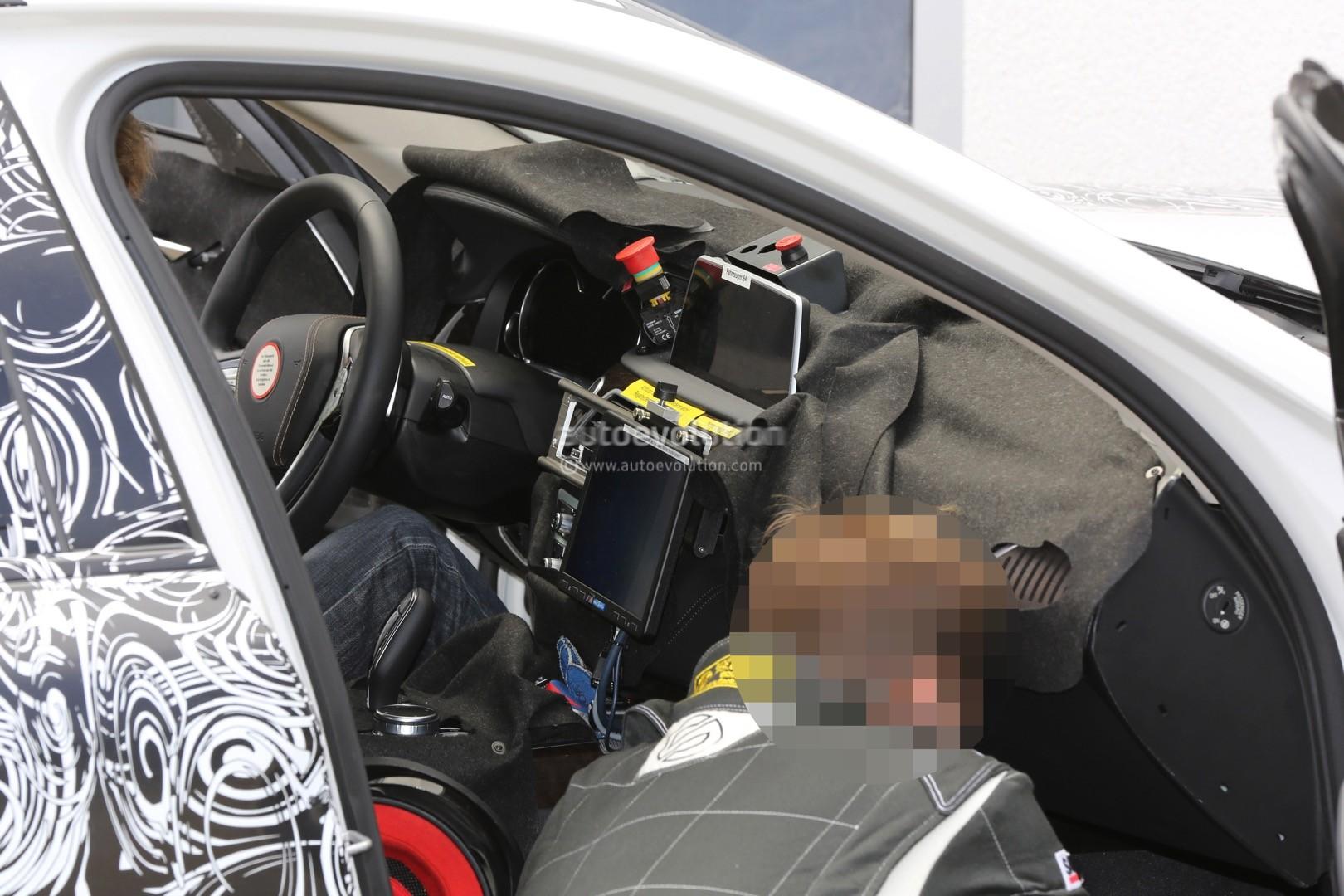 2017 Bmw G30 5 Series Spied Closer Prototype Interior Hints At 7 Series Autoevolution