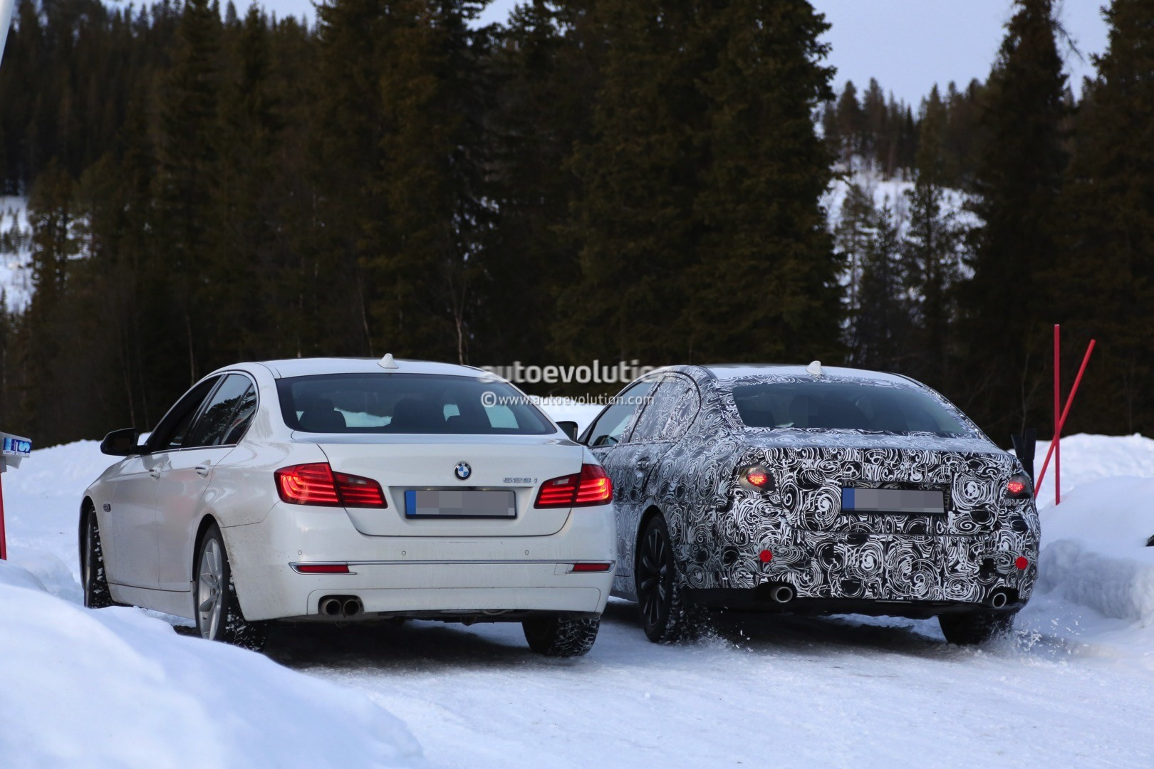2017 bmw g30 5 series spied next to current f10 model autoevolution. Black Bedroom Furniture Sets. Home Design Ideas